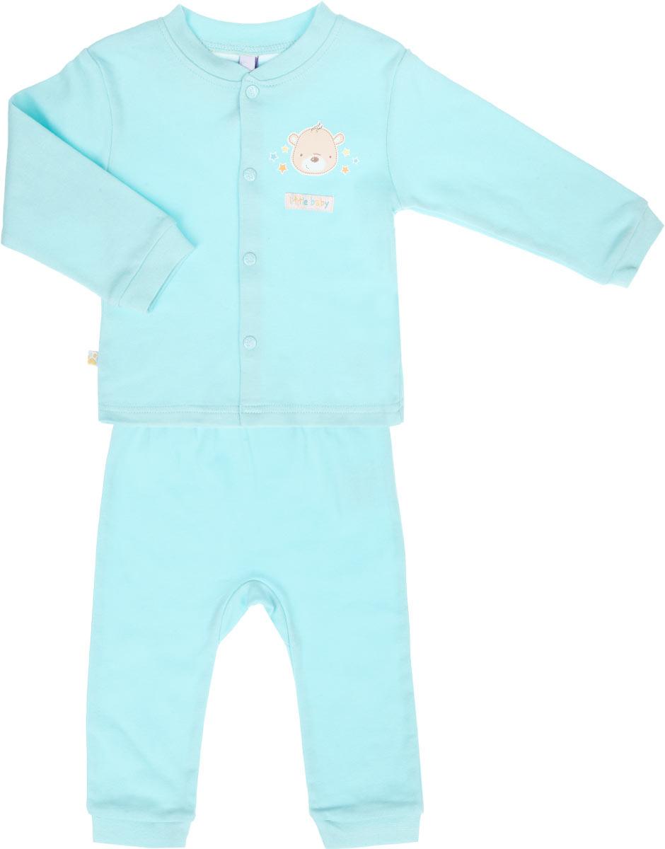 Комплект одежды167852Очаровательный комплект для мальчика PlayToday Baby, состоящий из кофточки и штанишек, идеально подойдет вашему малышу. Изготовленный из натурального хлопка, он необычайно мягкий и приятный на ощупь, не сковывает движения ребенка и позволяет коже дышать, не раздражает даже самую нежную и чувствительную кожу малыша, обеспечивая наибольший комфорт. Кофточка с длинными рукавами и круглым вырезом горловины застегивается на оригинальные застежки-кнопки, которые позволяют с легкостью переодеть младенца. Вырез горловины дополнен трикотажной эластичной резинкой. Рукава дополнены декоративными отворотами, оформленными принтом в полоску. На груди модель оформлена небольшим принтом с изображением очаровательного медвежонка. Штанишки имеют широкий эластичный пояс, не сдавливающий животик ребенка. Низ штанин дополнен широкими эластичными манжетами. Оформлены штанишки принтом в полоску. На поясе у модели небольшая нашивка с названием бренда. В таком комплекте ваш малыш будет...