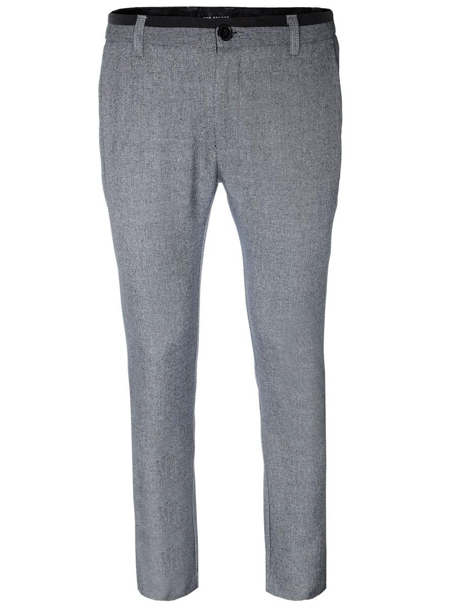 БрюкиSSP2102SZСтильные мужские брюки Top Secret, выполненные из высококачественного материала, необычайно мягкие и приятные на ощупь, не сковывают движения, обеспечивая комфорт. Брюки классического кроя и средней посадки застегиваются на пуговицу в поясе и ширинку на молнии, имеются шлевки для ремня. По бокам модель оформлена двумя втачными карманами с косыми срезами, сзади - двумя втачными карманами на пуговицах. Эти модные и в тоже время комфортные брюки послужат отличным дополнением к вашему гардеробу.