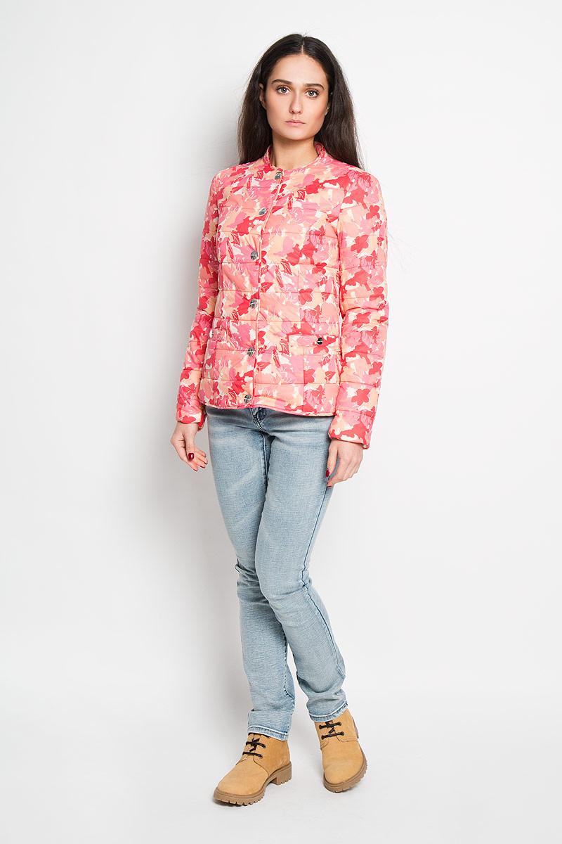 Куртка женская Finn Flare, цвет: розовый, персиковый. B16-32039. Размер XL (50)B16-32039Удобная женская куртка Finn Flare согреет вас в прохладную погоду и позволит выделиться из толпы. Модель с длинными рукавами и круглым вырезом горловины выполнена из прочного нейлона с подкладкой из полиэстера и синтепоновым наполнителем, и застегивается на кнопки. Куртка оформлена красочным цветочным принтом и дополнена двумя втачными карманами на кнопках спереди.Эта модная и в то же время комфортная куртка - отличный вариант для прогулок, она подчеркнет ваш изысканный вкус и поможет создать неповторимый образ.