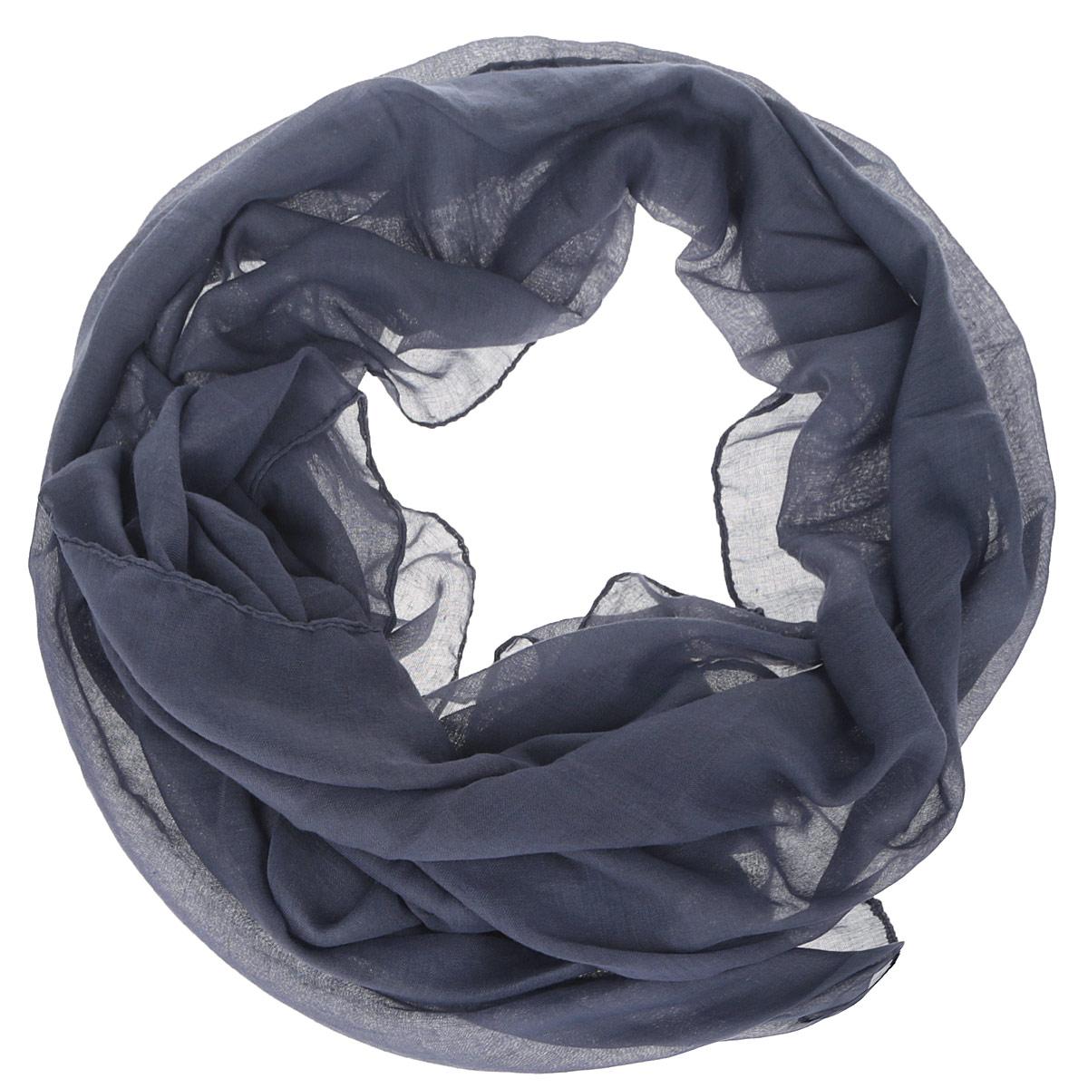 Шарф женский Fabretti, цвет: темно-синий. OT2016-3. Размер 180 см х 68 смOT2016-3Модный женский шарф Fabretti подарит вам уют и станет стильным аксессуаром, который призван подчеркнуть вашу индивидуальность и женственность. Тонкий шарф выполнен из высококачественной 100% вискозы, он невероятно мягкий и приятный на ощупь. Однотонный шарф будет великолепно сочетаться с любыми нарядами.Этот модный аксессуар гармонично дополнит образ современной женщины, следящей за своим имиджем и стремящейся всегда оставаться стильной и элегантной. Такой шарф украсит любой наряд и согреет вас в непогоду, с ним вы всегда будете выглядеть изысканно и оригинально.