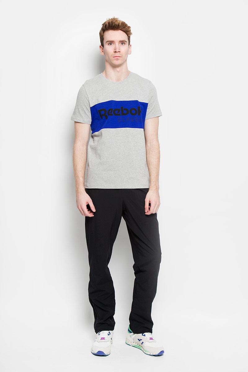 ФутболкаAK0408Стильная мужская футболка Reebok F Archive Stripe Tee обеспечивает наибольший комфорт и свободу движений во время занятий спортом и в повседневной жизни. Сочетающая в себе свободный крой, удобную круглую горловину и короткие рукава, она подарит вам удобство и комфорт. 100% плотный хлопок обеспечивает оптимальный микроклимат. Модель декорирована термоаппликацией в виде надписи Reebok Classic. Такая футболка послужит замечательным дополнением к вашему гардеробу.