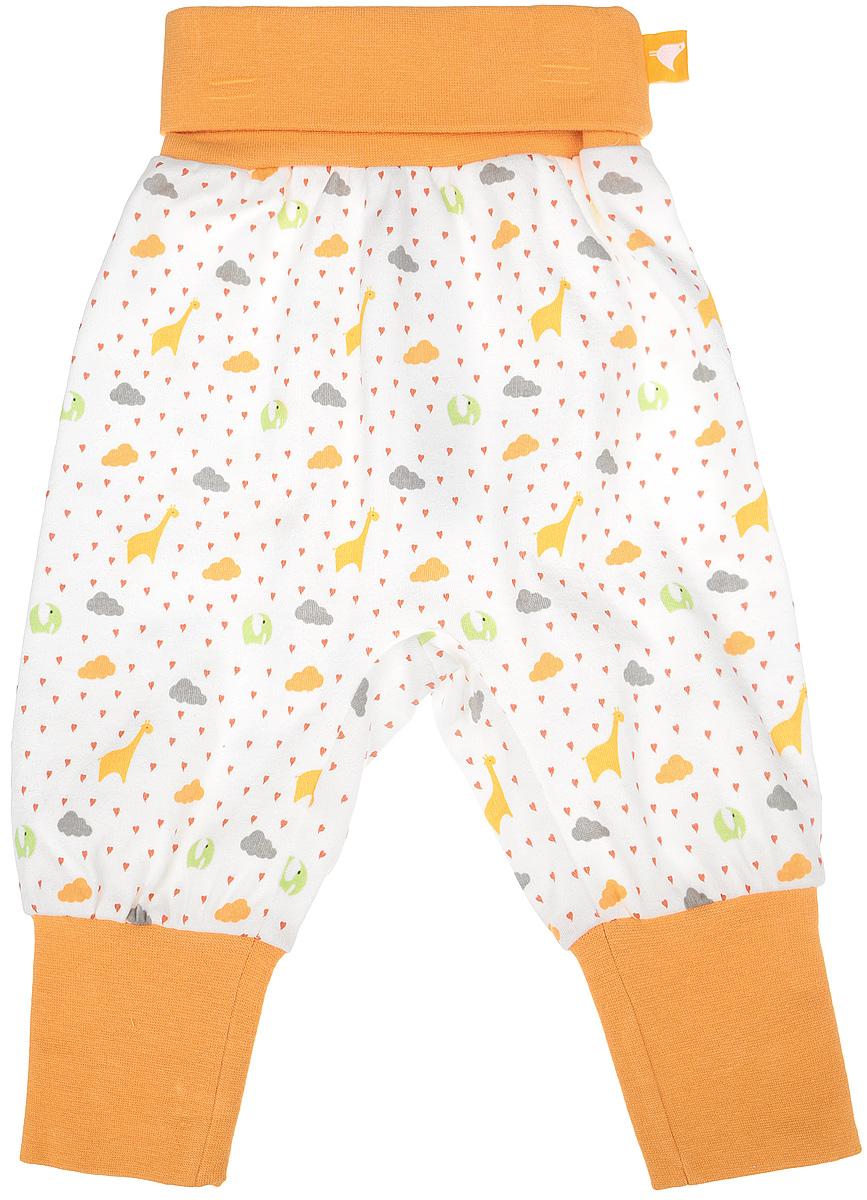 Штанишки на широком поясе Babydays It Rains Love, цвет: белый, оранжевый. bd12001. Размер 62, 0-3 месяцаbd12001Штанишки на широком поясе Babydays It Rains Love послужат идеальным дополнением к гардеробу вашего ребенка. Они изготовлены из натурального хлопка, необычайно мягкие и приятные на ощупь, не сковывают движения и хорошо пропускают воздух, не раздражают нежную и чувствительную кожу младенца. Модель с регулируемой длиной имеет свободный крой. Мягкие эластичные манжеты и пояс обеспечивают безупречную посадку. Изделие оформлено оригинальным принтом.Штанишки идеально подходят для ношения с подгузником и без него. В них вашему крохе будет удобно и комфортно.