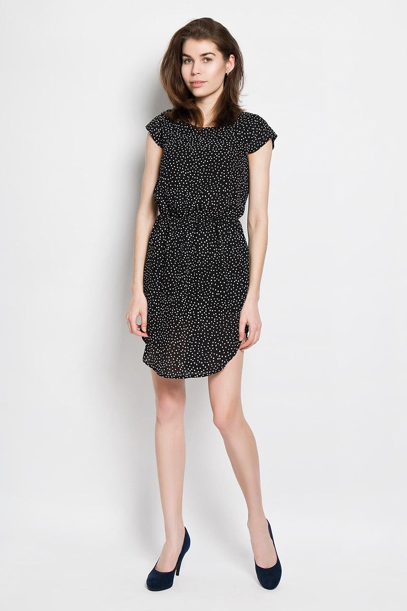 ПлатьеB456105Платье Baon станет модным и стильным дополнением к вашему летнему гардеробу. Выполненное из полиэстера, оно легкое и воздушное, приятное на ощупь, не сковывает движений, хорошо вентилируется. Модель с круглым вырезом горловины и короткими рукавами-крылышками застегивается сзади на пуговицу. На талии платье присборено на эластичную резинку. Низ модели закруглен. Оформлено изделие мелким принтом по всей поверхности. Эффектное платье поможет создать яркий и привлекательный образ, а также подарит вам комфорт.