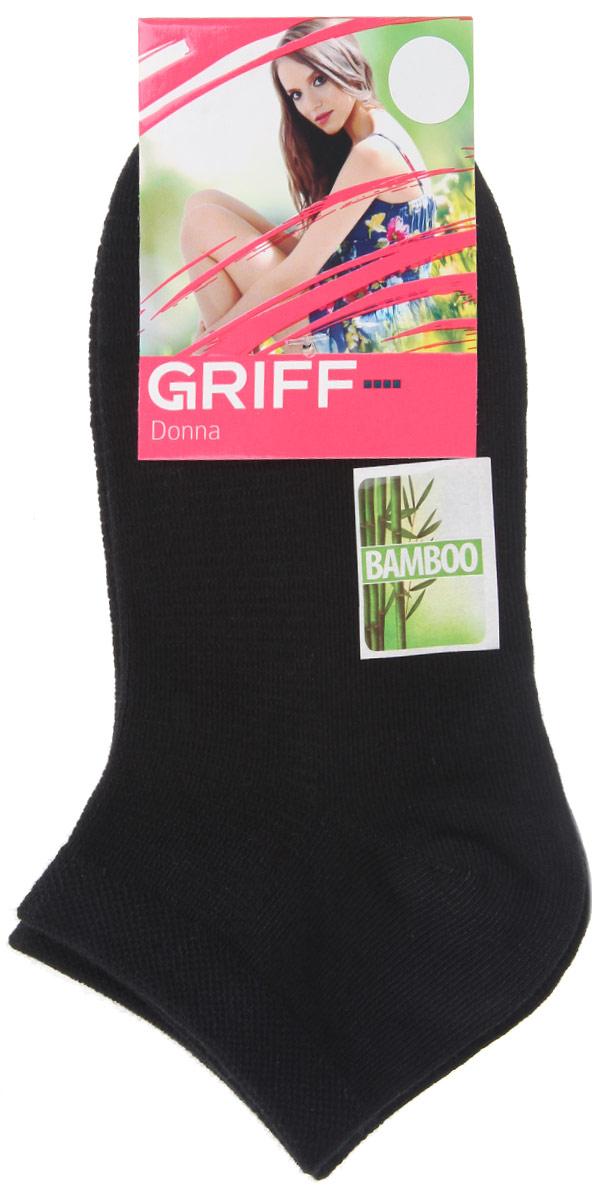 НоскиD4U5Женские укороченные носки Griff изготовлены из высококачественного сырья. Однотонные носки очень мягкие на ощупь, а широкая резинка плотно облегает ногу, не сдавливая ее, благодаря чему вам будет комфортно и удобно. Усиленная пятка и мысок обеспечивают надежность и долговечность.