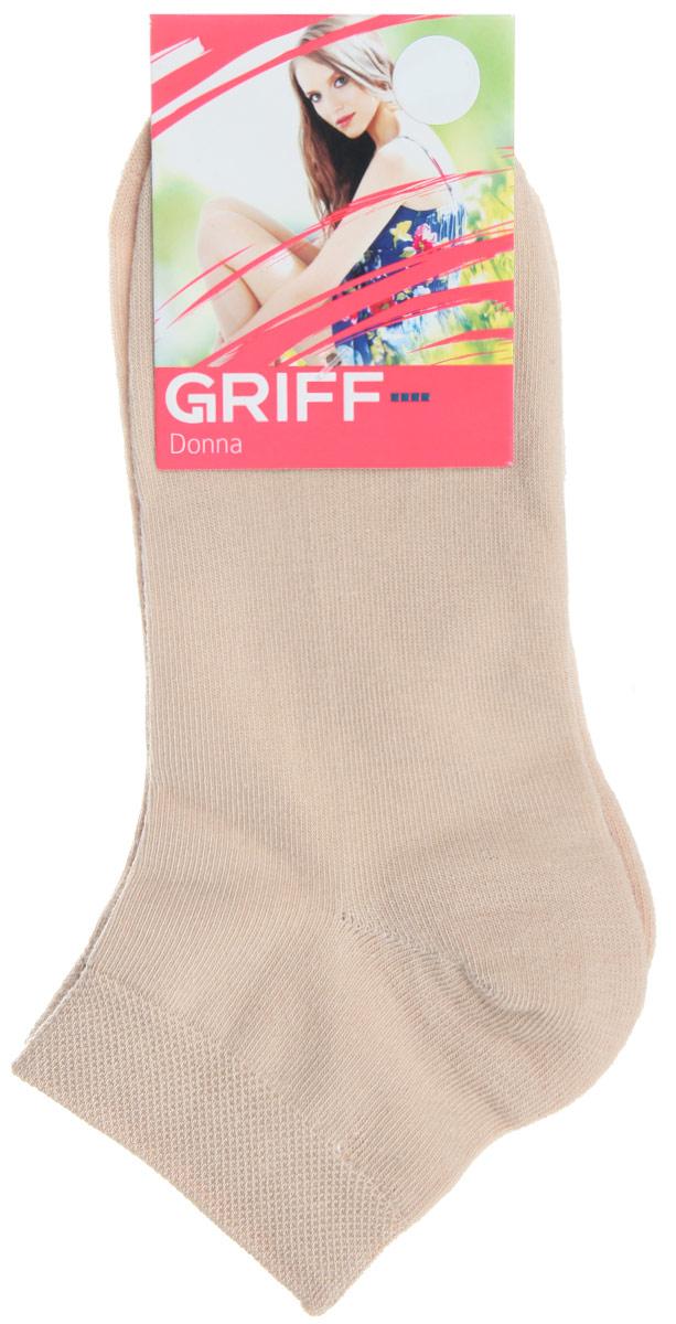 НоскиD4U3Женские укороченные носки Griff изготовлены из высококачественного сырья. Однотонные носки очень мягкие на ощупь, а широкая резинка плотно облегает ногу, не сдавливая ее, благодаря чему вам будет комфортно и удобно. Усиленная пятка и мысок обеспечивают надежность и долговечность.