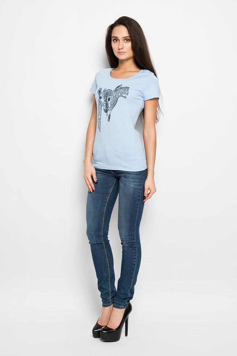 Футболка женская F5, цвет: голубой. 160098_12380/Giraffe. Размер XL (50)12380Стильная женская футболка F5, выполненная из эластичного хлопка, обладает высокой воздухопроницаемостью и гигроскопичностью, позволяет коже дышать. Классическая модель с короткими рукавами и круглым вырезом горловины спереди оформлена оригинальной термоаппликацией.Эта футболка - идеальный вариант для создания эффектного образа.