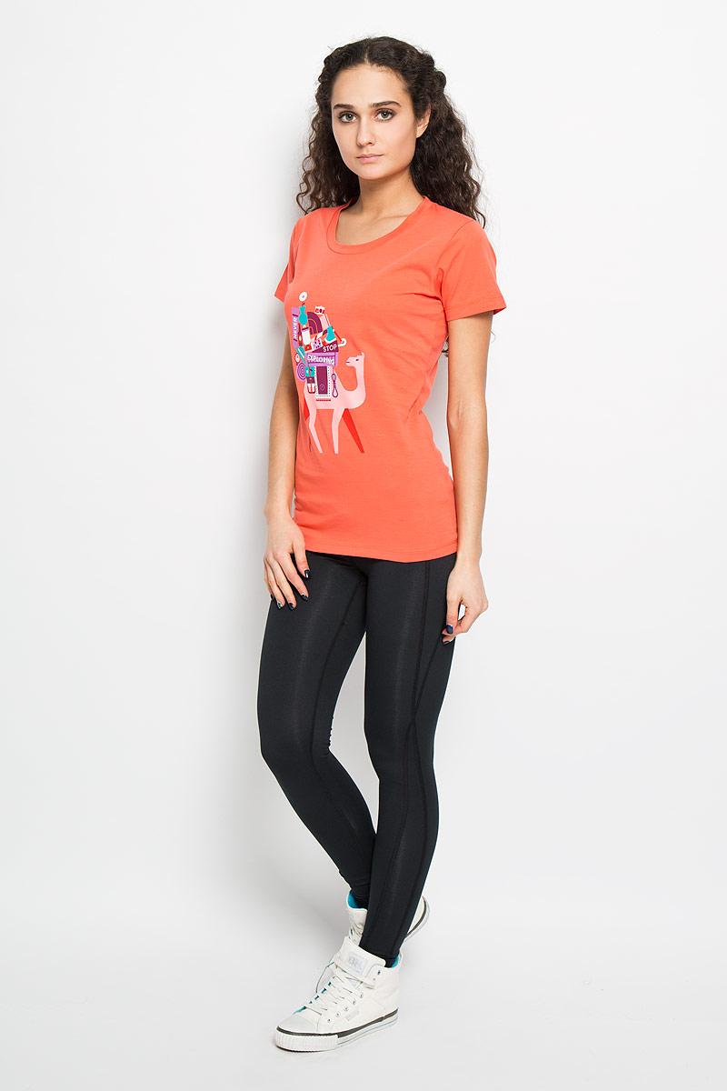 ФутболкаT0CD4NCA1Стильная женская футболка The North Face W S/S NSE Series Tee, выполненная из высококачественного хлопка, обладает высокой воздухопроницаемостью и гигроскопичностью, позволяет коже дышать. Классическая модель с короткими рукавами и круглым вырезом горловины спереди оформлена термоаппликацией в виде работы художника Тамера Косели из Стамбула. Эта футболка - идеальный вариант для создания эффектного образа.