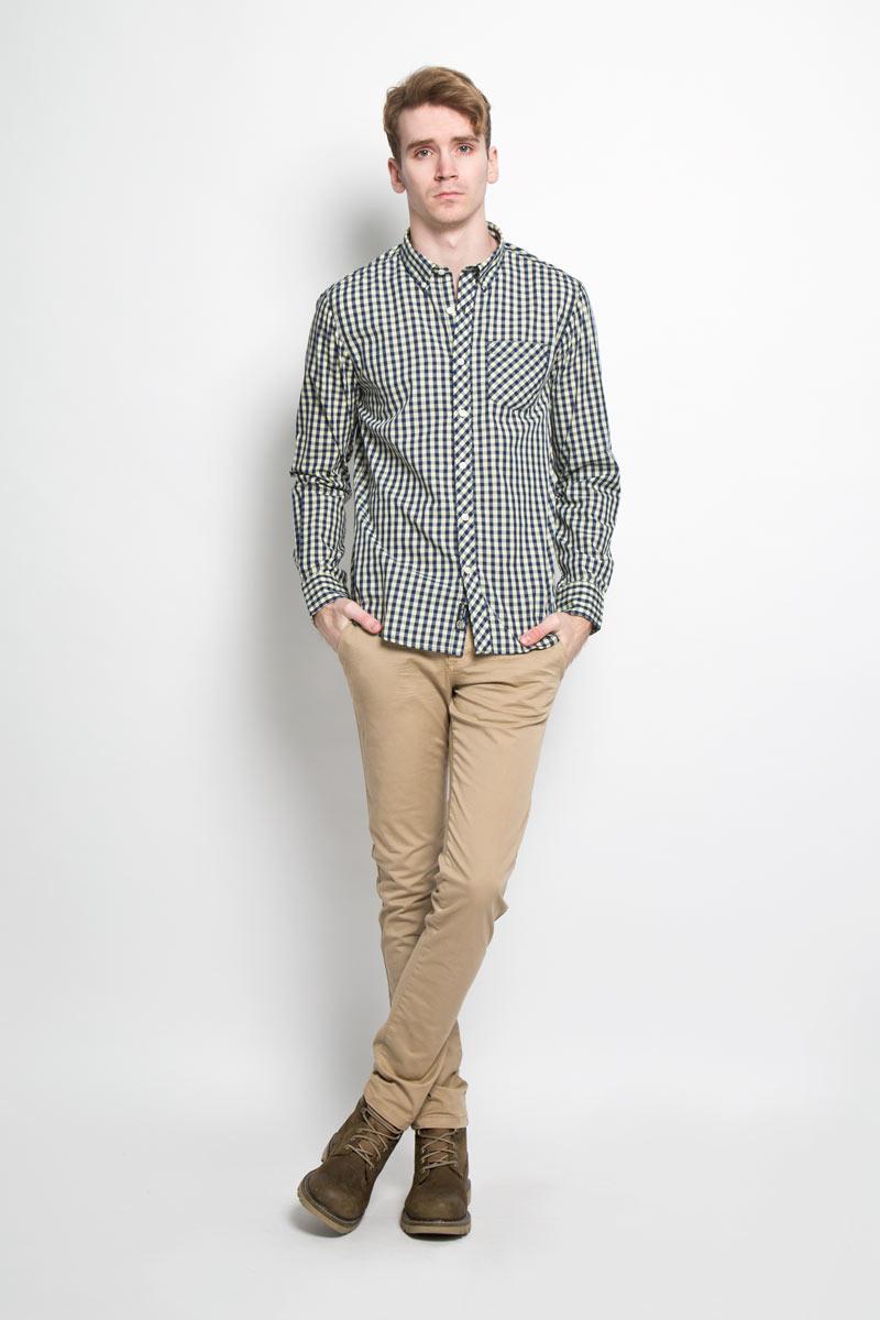 Рубашка мужская Broadway, цвет: светло-желтый, темно-синий. 20100064 141. Размер L (50)20100064 141Стильная мужская рубашка Broadway, изготовленная из высококачественного хлопка с добавлением полиэстера, необычайно мягкая и приятная на ощупь, не сковывает движения и позволяет коже дышать, обеспечивая наибольший комфорт.Модная рубашка с отложным воротником, длинными рукавами и полукруглым низом застегивается на пластиковые пуговицы. Модель оформлена принтом в клетку и на груди слева дополнена накладным карманом. Рукава рубашки дополнены манжетами на пуговицах. Уголки воротника фиксируются при помощи пуговиц. Эта рубашка идеальный вариант для повседневного гардероба.Такая модель порадует настоящих ценителей комфорта и практичности!