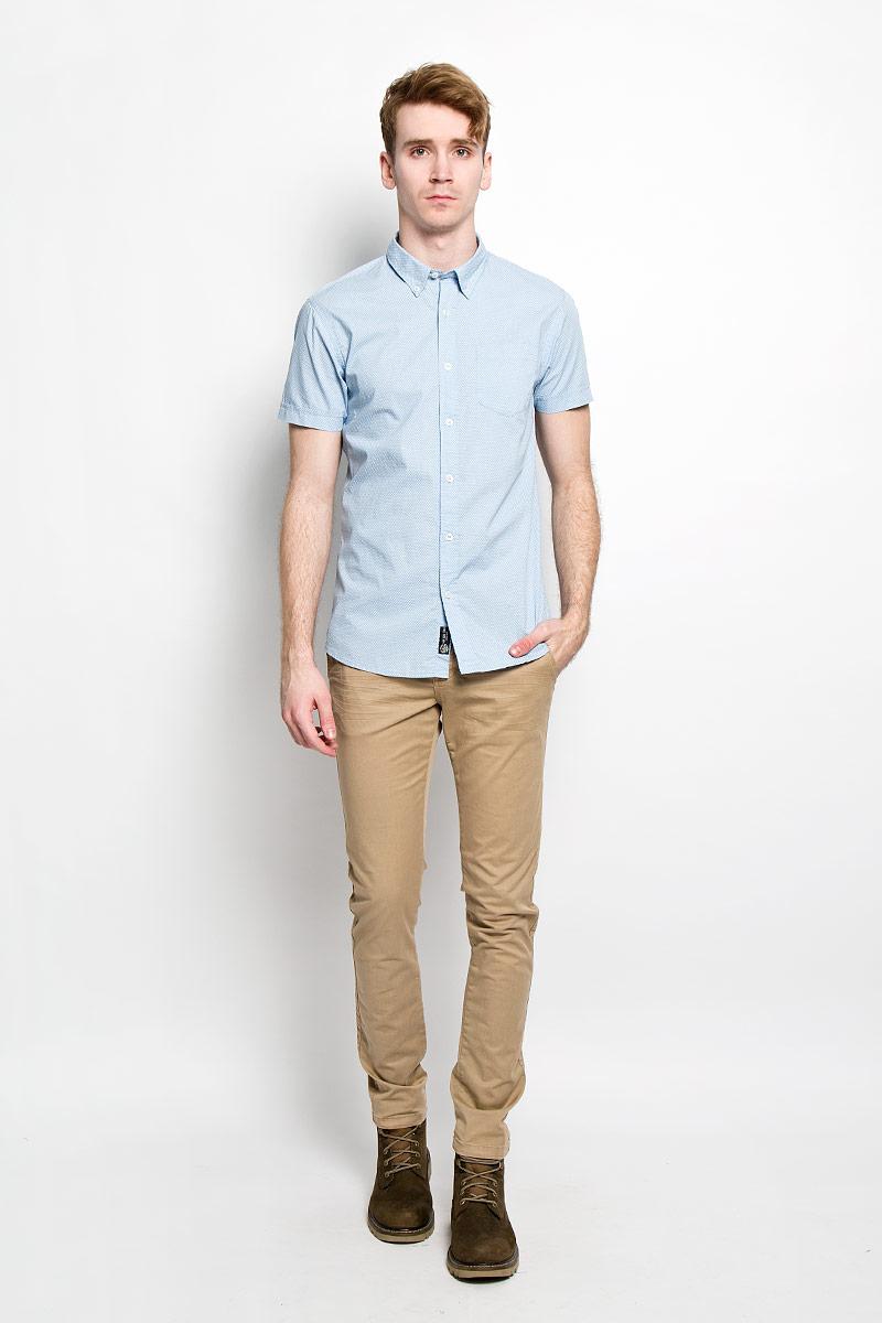 Рубашка мужская Broadway Cesar, цвет: голубой, белый. 20100030 530. Размер M (48)20100030 530Стильная мужская рубашка Broadway Cesar выполненная из натурального хлопка, обладает высокой теплопроводностью, воздухопроницаемостью и гигроскопичностью, позволяет коже дышать, тем самым обеспечивая наибольший комфорт при носке даже самым жарким летом. Рубашка прямого кроя с короткими, полукруглым низом и отложным воротником застегивается на пуговицы. Модель оформлена рисунком в мелкий крестик и дополнена небольшим накладным карманом на груди.Такая рубашка будет дарить вам комфорт в течение всего дня и послужит замечательным дополнением к вашему гардеробу.
