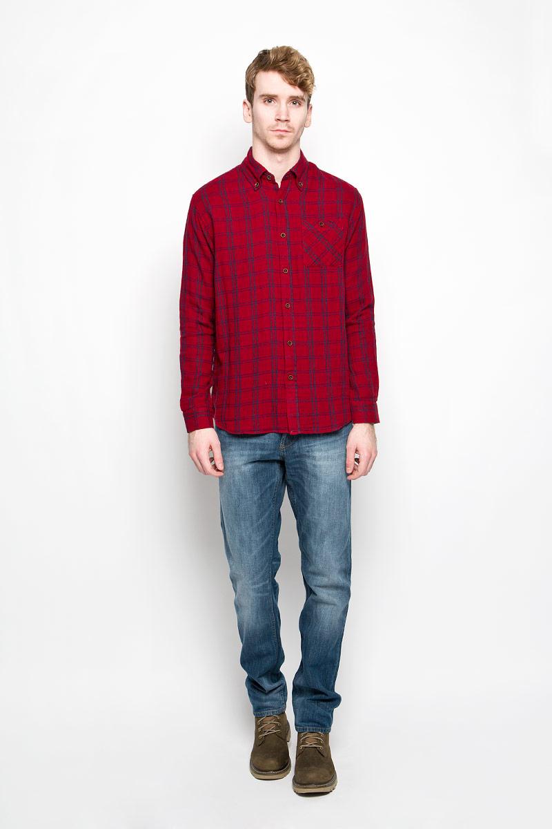 Рубашка мужская Lee Cooper, цвет: красный, синий. M19001_0121. Размер XXL (56)M19001_0121Мужская рубашка Lee Cooper, выполненная из натурального хлопка, идеально дополнит ваш образ. Материал мягкий и приятный на ощупь, не сковывает движения и позволяет коже дышать.Рубашка классического кроя с длинными рукавами и отложным воротником застегивается на пуговицы по всей длине. Края воротника и манжеты на рукавах также застегиваются на пуговицы. На груди модель дополнена накладным карманом.Такая модель будет дарить вам комфорт в течение всего дня и станет стильным дополнением к вашему гардеробу.
