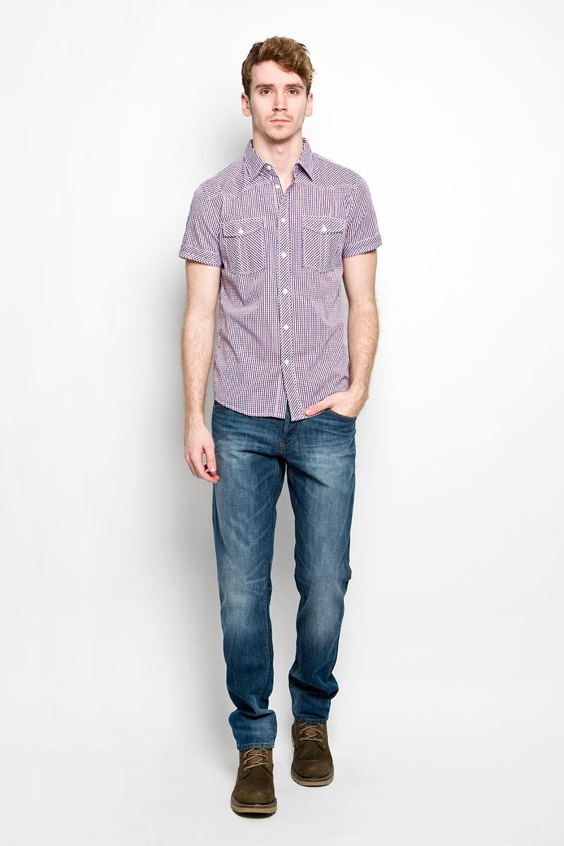 Рубашка150236_7166Мужская рубашка F5, выполненная из натурального хлопка, идеально дополнит ваш образ. Материал мягкий и приятный на ощупь, не сковывает движения и позволяет коже дышать. Рубашка классического кроя с короткими рукавами и отложным воротником застегивается на пуговицы по всей длине. На груди модель дополнена двумя накладными карманами. Такая модель будет дарить вам комфорт в течение всего дня и станет стильным дополнением к вашему гардеробу.