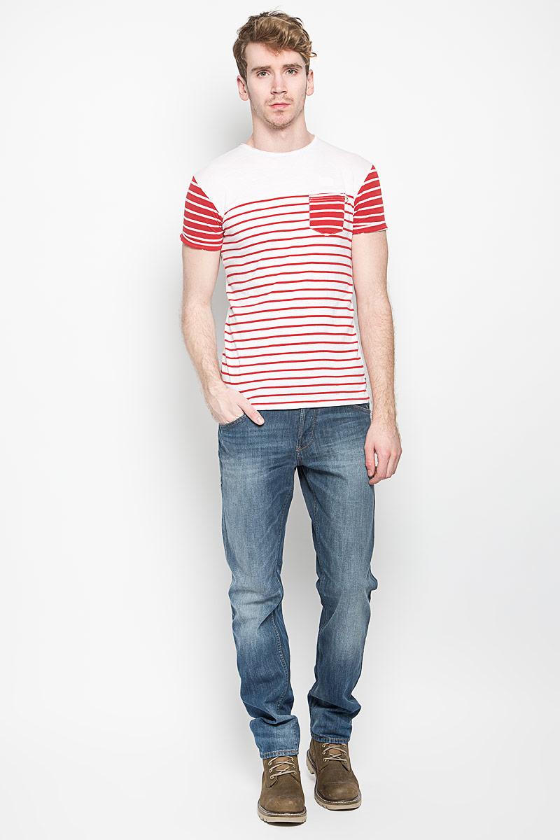 Футболка мужская MeZaGuZ, цвет: белый, красный. Tatchy. Размер XXL (54)Tatchy_White/Flame RedМужская футболка MeZaGuZ, выполненная из натурального хлопка, станет ярким дополнением к вашему гардеробу. Материал изделия мягкий и приятный на ощупь, не сковывает движения и позволяет коже дышать.Футболка с круглым вырезом горловины и короткими рукавами оформлена принтом в полоску. Вырез горловины дополнен многослойной окантовкой с необработанными краями. На рукавах предусмотрены декоративные отвороты. На груди расположен накладной карман. Изделие украшено вышитой надписью с фирменным логотипом. Такая модель отлично подойдет для повседневной носки и подарит вам комфорт в течение всего дня!