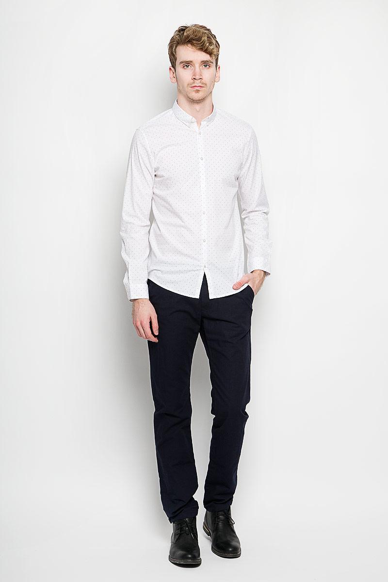 Рубашка мужская Tom Tailor, цвет: белый. 2031453.00.15_2000. Размер XXL (54)2031453.00.15_2000Стильная мужская рубашка Tom Tailor, выполненная из хлопка с содержание эластана, обладает высокой теплопроводностью, воздухопроницаемостью и гигроскопичностью, позволяет коже дышать, тем самым обеспечивая наибольший комфорт при носке. Модель классического кроя с отложным воротником застегивается на пуговицы. Длинные рукава рубашки дополнены манжетами на пуговицах. Рубашка оформлена принтом горох. Воротник с уголками на пуговицах придаст образу изюминку. Такая рубашка подчеркнет ваш вкус и поможет создать великолепный стильный образ.