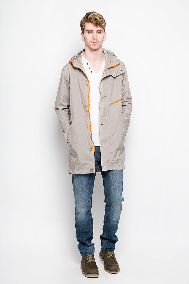 Парка мужская F5, цвет: серый. 141132/6263. Размер M (48)141132Мужская парка F5 обеспечит вам тепло и комфорт в прохладное время года. Модель с не отстегивающимся капюшоном застегивается назастежку-молнию и имеет ветрозащитный клапан на пуговицах. Спереди куртка имеет два прорезных кармана и один прорезной карман на застежке молнии, а также один потайной карман на застежке-молнии с внутренней стороны. Рукава дополнены манжетами на пуговицах. На талии куртка стягивается скрытым шнурком-кулиской со стопперами.Эта модная и в то же время комфортная парка - отличный вариант для уверенного в себе мужчины!