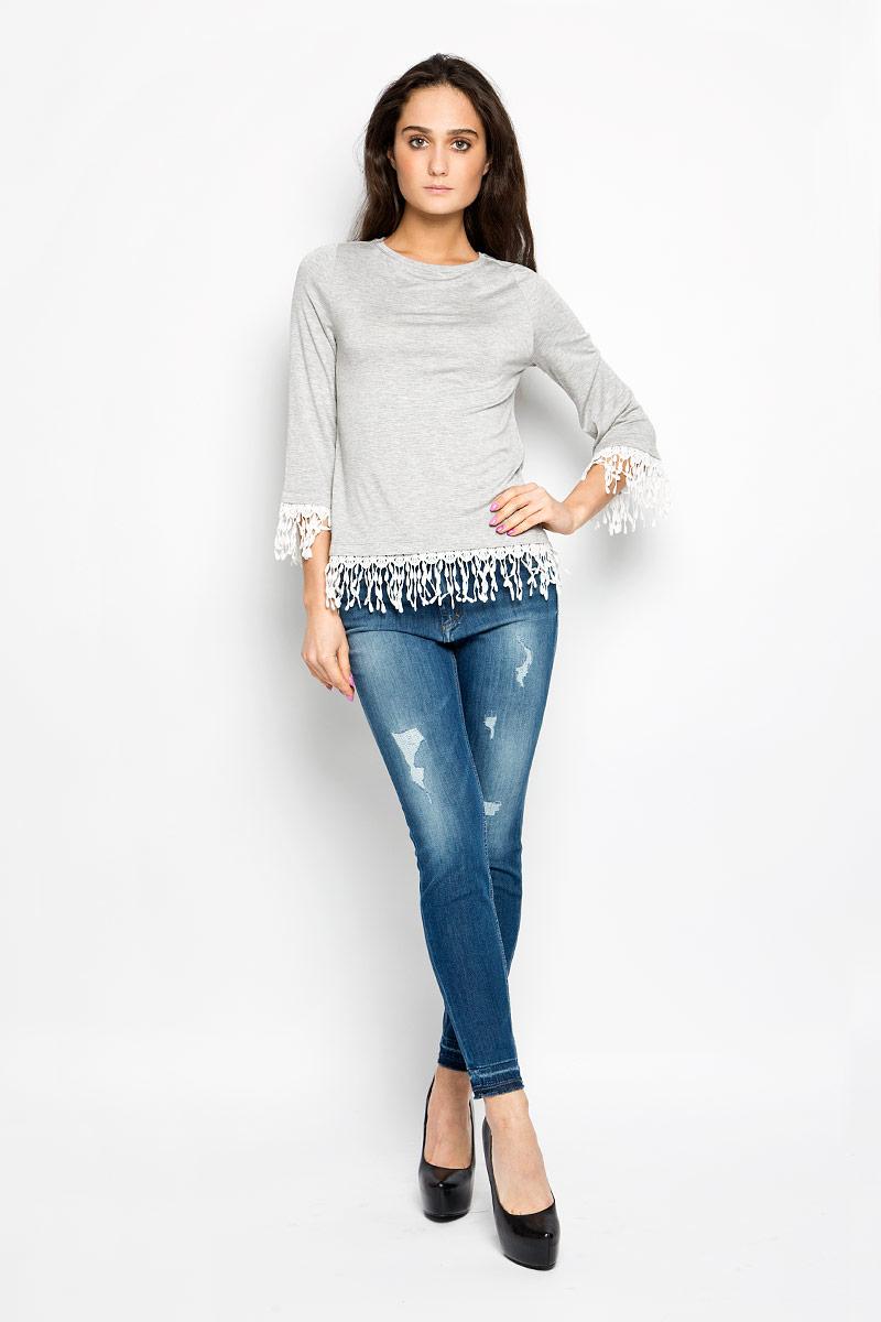 Блузка10156245_807Стильная женская блузка Broadway Elida, выполненная из вискозы с содержанием эластана, подчеркнет ваш уникальный стиль и поможет создать оригинальный женственный образ. Блузка с расклешенными рукавами 3/4 и с круглым вырезом горловины оформлена бахромой. Такая блузка будет дарить вам комфорт в течение всего дня и послужит замечательным дополнением к вашему гардеробу.