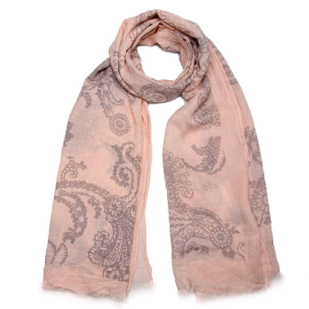 Палантин женский Venera, цвет: бледно-розовый, серый. 3414501-05. Размер 70 см х 180 см3414501-05Элегантный палантин Venera согреет вас в непогоду и станет достойным завершением вашего образа.Палантин изготовлен из вискозы с добавлением шелка. Легкий и приятный на ощупь палантин классического кроя оформлен оригинальными узорами. Края оформлены бахромой. Палантин красиво драпируется, он превосходно дополнит любой наряд и подчеркнет ваш изысканный вкус.Легкий и изящный палантин привнесет в ваш образ утонченность и шарм.