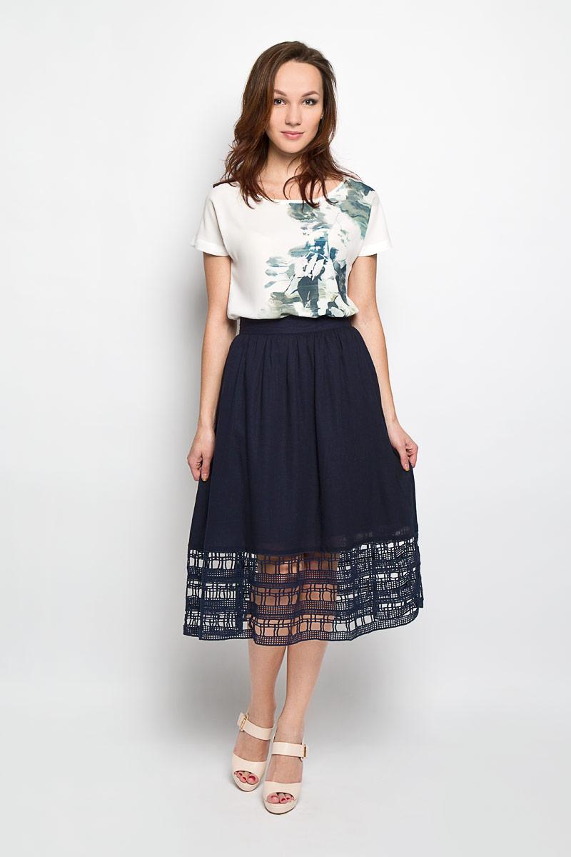 ЮбкаB476020_WHITEЭффектная юбка Baon, выполненная из вискозы и льна, обеспечит вам комфорт и удобство при носке. Юбка-миди А-силуэта имеет пришивной пояс и застегивается на молнию сзади. Низ модели оформлен оригинальным кружевом. Модная юбка-миди выгодно освежит и разнообразит ваш гардероб. Создайте женственный образ и подчеркните свою яркую индивидуальность! Классический фасон и оригинальное оформление этой юбки сделают ваш образ непревзойденным.