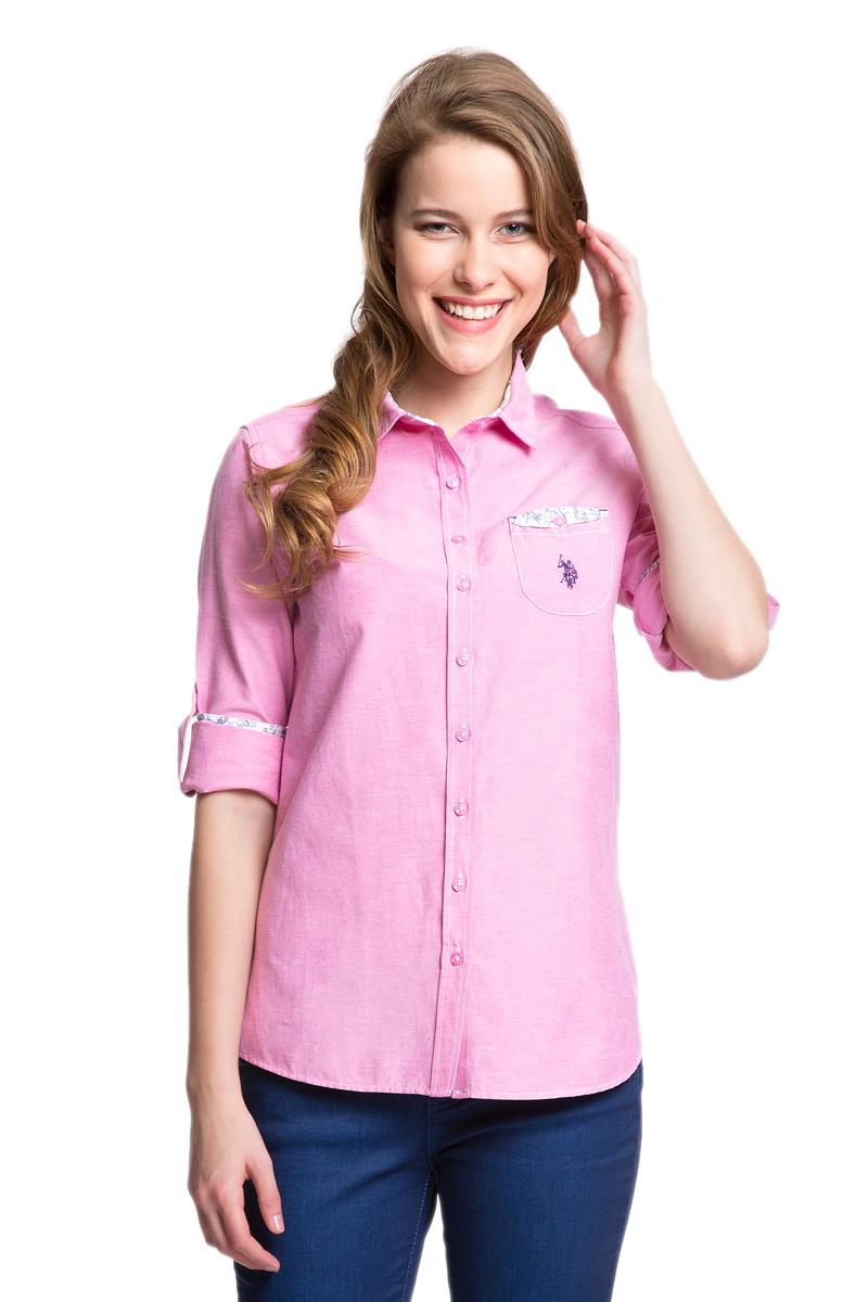 РубашкаG082GL004HELGASASOMA_VR013Женская рубашка U.S. Polo Assn. выполнена из хлопка с добавлением полиэстера. Модель с отложным воротником и длинными рукавами застегивается спереди на пуговицы по всей длине. Длину рукавов можно регулировать с помощью хлястиков с пуговицами. На манжетах предусмотрены застежки-пуговицы. На груди расположен накладной карман. Рубашка декорирована принтованной отделкой и вышивкой.