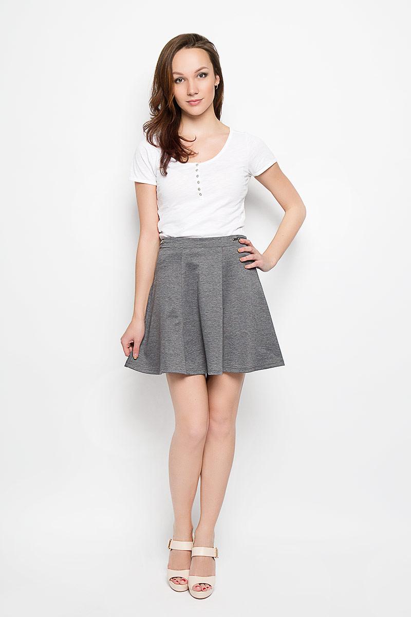 ЮбкаL-SC-2006_BLACKСтильная юбка-трапеция Moodo внесет женственные нотки в ваш модный образ. Модель выполнена из плотного трикотажного материала. Пояс юбки по бокам оформлен декоративными змейками. Модная юбка - основа гардероба настоящей леди. Она подчеркнет ваше отменное чувство стиля и безупречный вкус.