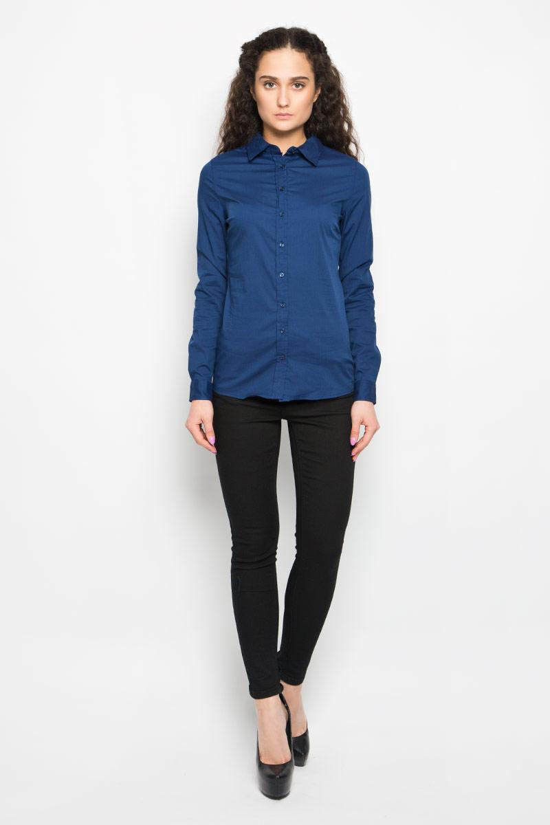 Рубашка женская Moodo, цвет: темно-синий. L-KO-2011 NAVY. Размер S (44)L-KO-2011_NAVYСтильная женская рубашка Moodo выполнена из хлопка и нейлона с добавлением эластана. Модель мягкая, тактильно приятная, не сковывает движения и хорошо пропускает воздух. Модель классического кроя с отложным воротником застегивается на пуговицы. Длинные рукава рубашки дополнены манжетами на пуговицах.Такая рубашка подчеркнет ваш вкус и поможет создать великолепный стильный образ.