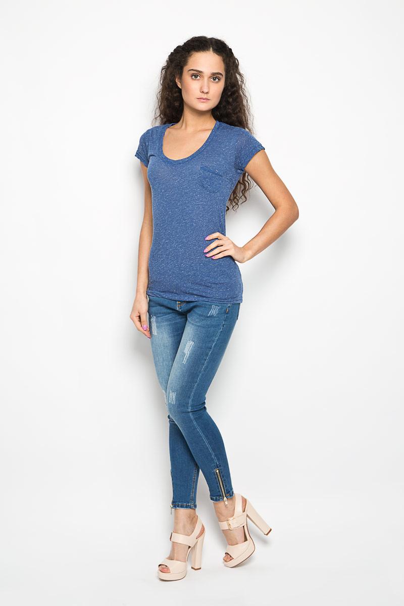 Футболка женская Moodo, цвет: синий меланж. L-TS-2002 BLUE MEL. Размер S (44)L-TS-2002_BLUE_MELЖенская футболка Moodo поможет создать отличный современный образ в стиле Casual. Модель, изготовленная на 85% из полиэстера и на 15% из льна, очень мягкая, тактильно приятная и не сковывает движения. Футболка с V-образным вырезом горловины и короткими рукавами выполнена в лаконичном дизайне. На груди предусмотрен небольшой накладной открытый кармашек.Такая футболка станет стильным дополнением к вашему гардеробу, она подарит вам комфорт в течение всего дня!