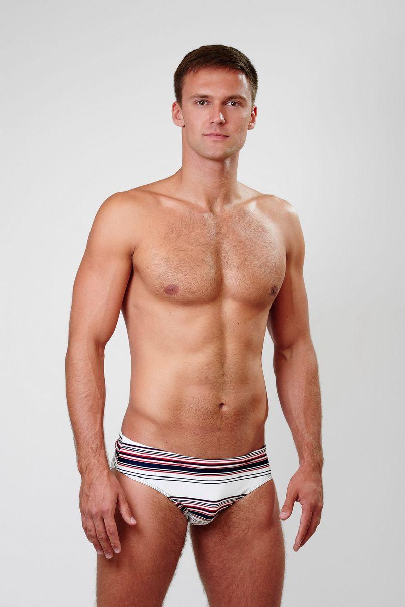 Плавки мужские Emdi, цвет: белый, темно-синий, красный. 07-0814-200. Размер 4207-0814-200_201Мужские плавки Emdi, изготовленные из эластичного полиамида, быстро сохнут и сохраняют первоначальный вид и форму даже при длительном использовании. Модель-слип с высоким вырезом вокруг бедер, дополненным эластичной резинкой, имеет плоские швы. Удобная посадка и широкая резинка на талии, регулируемая скрытым шнурком, обеспечат наибольший комфорт. Оформлено изделие оригинальным принтом. Модель создана для тех, кто предпочитает удобство, практичность и современный дизайн. Плавки подходят как для занятий спортом, так и для пляжного отдыха.