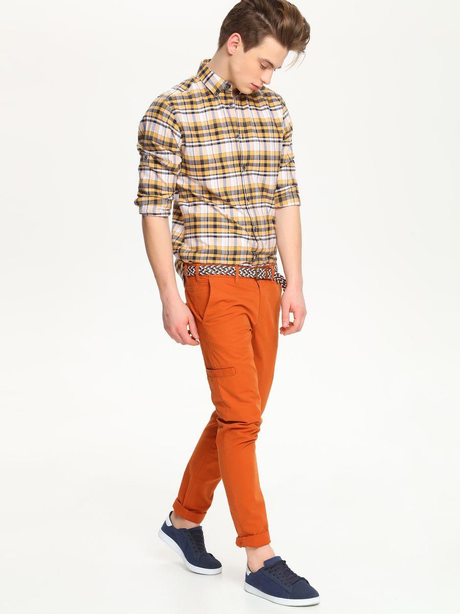 РубашкаSKL1978ZOСтильная мужская рубашка Top Secret, выполненная из натурального хлопка, обладает высокой теплопроводностью, воздухопроницаемостью и гигроскопичностью, позволяет коже дышать, тем самым обеспечивая наибольший комфорт при носке. Модель приталенного кроя с отложным воротником застегивается на пуговицы. На груди имеется накладной карман на пуговице. Длинные рукава рубашки дополнены манжетами на пуговицах. При желании рукава модели можно подвернуть, зафиксировав отвороты с помощью хлястика на пуговице. Оформлено изделие принтом в клетку. Такая рубашка подчеркнет ваш вкус и поможет создать великолепный стильный образ.