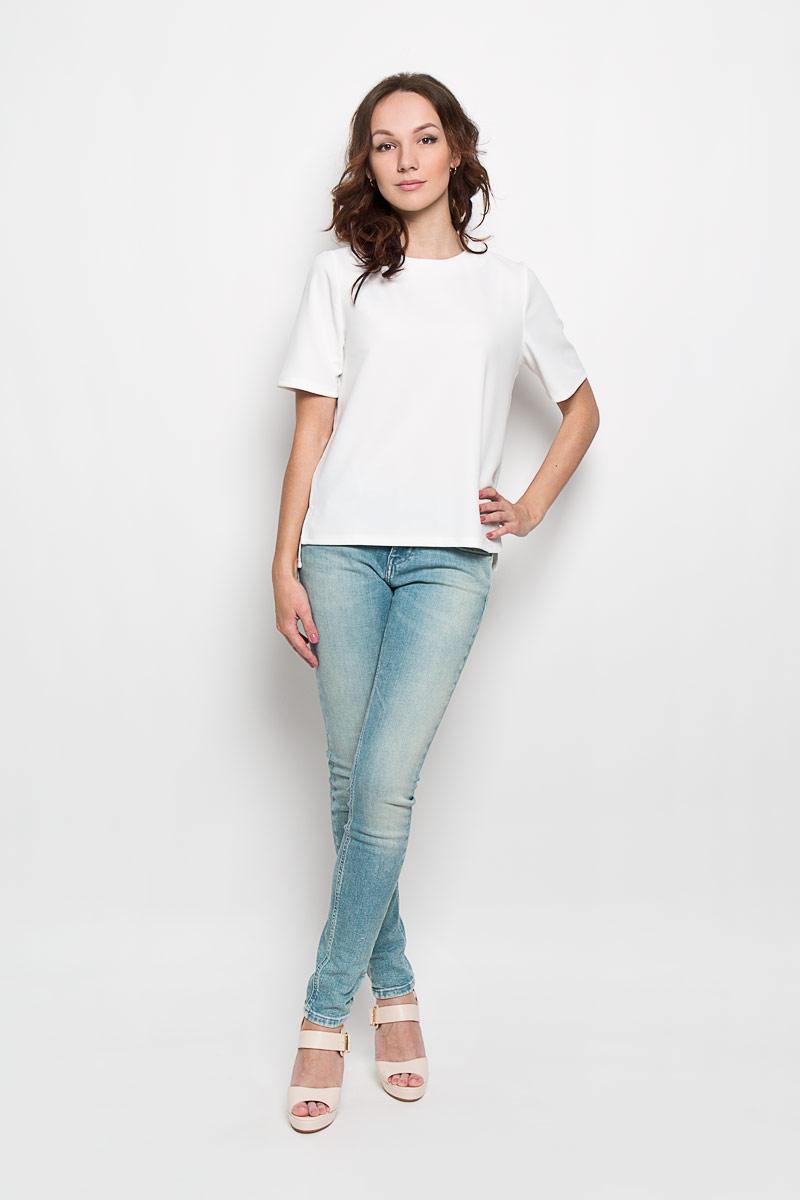 БлузкаCK2519Стильная женская блузка Glamorous, выполненная из полиэстера с добавлением эластана, подчеркнет ваш уникальный стиль и поможет создать женственный образ. Модель c круглым вырезом горловины и короткими рукавами. Сзади блуза застегивается на застежку-молнию. Спинка модели немного удлинена. В боковых швах обработаны небольшие разрезы. Такая блузка будет дарить вам комфорт в течение всего дня и послужит замечательным дополнением к вашему гардеробу.