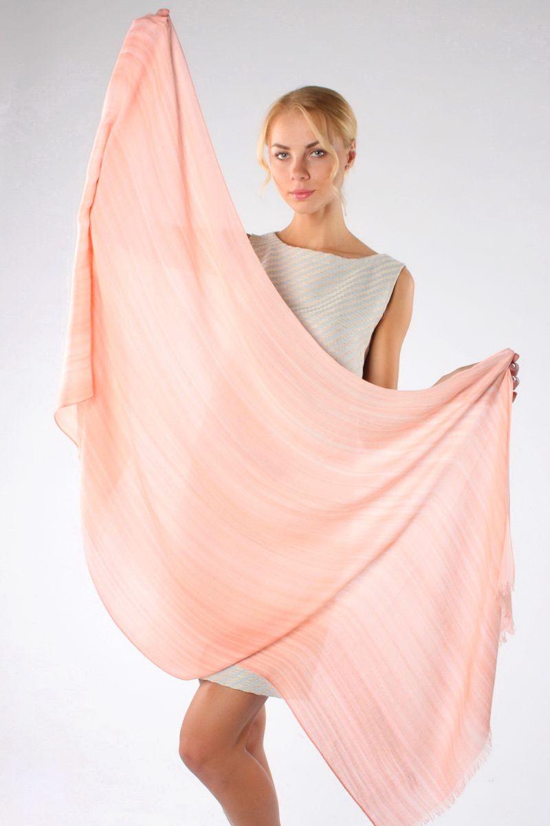Палантин Sophie Ramage, цвет: розовый. HL-21540-9. Размер 90 см х 180 смHL-21540-9Стильный женский палантин Sophie Ramage станет великолепным завершением любого наряда.Палантин изготовлен из модала с добавлением шерсти, а по краю оформлен неширокой бахромой.Изящный палантин поможет вам создать изысканный женственный образ, а также согреет в непогоду.