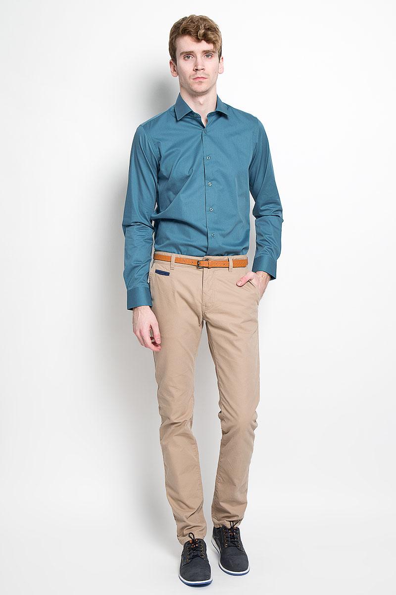 РубашкаSW 81_01Мужская рубашка KarFlorens, изготовленная из высококачественного хлопка с добавлением микрофибры, необычайно мягкая и приятная на ощупь, она не сковывает движения и позволяет коже дышать, обеспечивая комфорт. Модель классического кроя с длинными рукавами и отложным воротником застегивается на пластиковые пуговицы, которые декорированы названием бренда. Манжеты со срезанными уголками и регулировкой ширины также застегиваются на пуговицы. Такая рубашка станет идеальным вариантом для повседневного гардероба. Она порадует настоящих ценителей комфорта и практичности!
