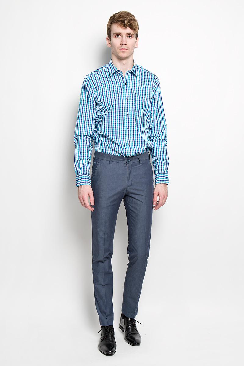 Рубашка мужская KarFlorens, цвет: белый, синий, бирюзовый. SW 76_05. Размер 41/42 (50-52/176)SW 76_05Мужская рубашка KarFlorens, изготовленная из высококачественного 100% хлопка, необычайно мягкая и приятная на ощупь, она не сковывает движения и позволяет коже дышать, обеспечивая комфорт.Модель с длинными рукавами и отложным воротником застегивается на пластиковые пуговицы, которые декорированы названием бренда. Закругленные манжеты с регулировкой ширины также застегиваются на пуговицы. Оформлено изделие принтом в клетку.Такая рубашка станет идеальным вариантом для повседневного гардероба. Она порадует настоящих ценителей комфорта и практичности!
