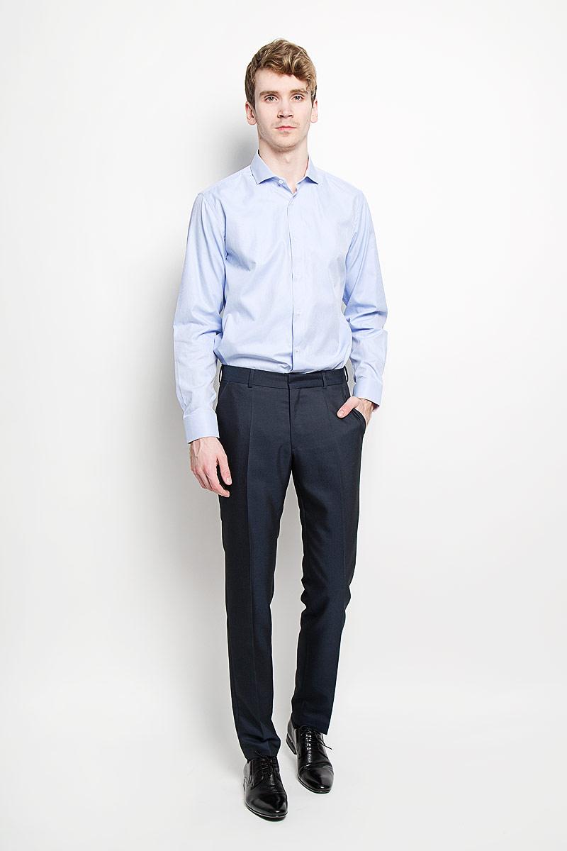 РубашкаSW 54-02Стильная мужская рубашка KarFlorens, изготовленная из высококачественного хлопка с добавлением микрофибры, необычайно мягкая и приятная на ощупь, не сковывает движения и позволяет коже дышать, обеспечивая наибольший комфорт. Модная рубашка классического кроя с отложным воротником, длинными рукавами и полукруглым низом застегивается на пластиковые пуговицы. Пуговицы украшены логотипом KarFlorens. С внутренней стороны манжеты и воротник выполнены контрастным материалом. Воротник сзади декорирован фирменной вышивкой. Рукава дополнены манжетами со срезанными уголками на пуговицах, которые благодаря дополнительной пуговице варьируются по ширине. Рубашка оформлена микрополоской и идеально подойдет для повседневного гардероба. Такая модель порадует настоящих ценителей комфорта и практичности!