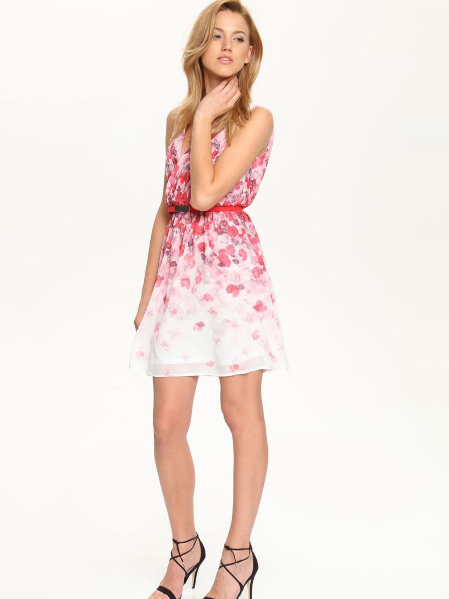 ПлатьеSSU1588BI[E]Элегантное платье Top Secret, изготовленное из высококачественного полиэстера, оно мягкое на ощупь, не раздражает кожу и хорошо вентилируется. Модель с V-образным вырезом горловины без рукавов на спинке застегивается на потайную застежку-молнию. Верх платья выполнен с запахом и оформлен в гофрированном стиле. Складки на юбке дарят образу романтичность. В поясе модель дополнена небольшим ремешком. Стильное платье оформлено пестрым цветочным принтом.