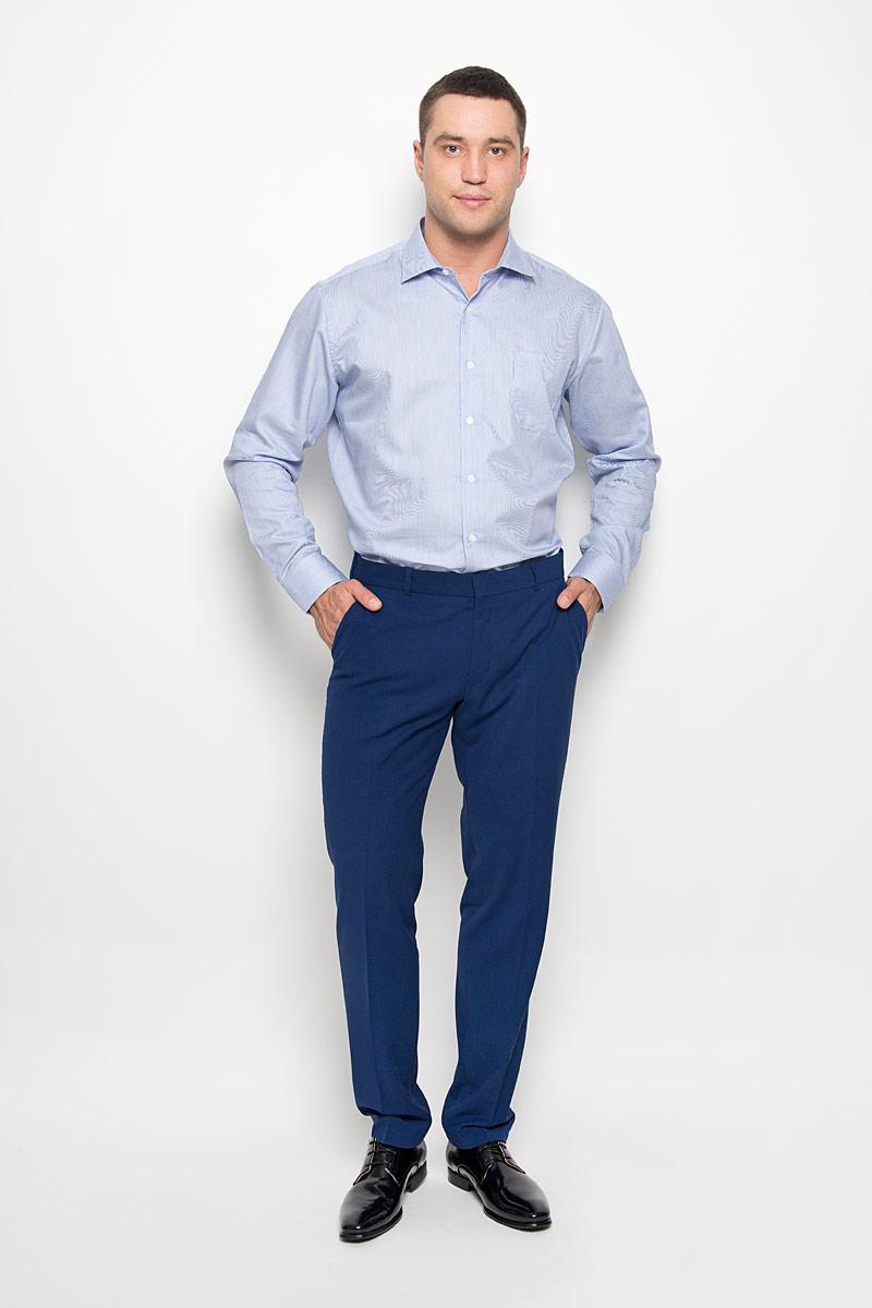 Рубашка мужская KarFlorens, цвет: синий, голубой. SW 72-01. Размер 47/48 (58-176)SW 72-01Стильная мужская рубашка KarFlorens, выполненная из хлопка с добавлением микрофибры, подчеркнет ваш уникальный стиль и поможет создать оригинальный образ. Такой материал великолепно пропускает воздух, обеспечивая необходимую вентиляцию, а также обладает высокой гигроскопичностью.Рубашка с длинными рукавами и отложным воротником застегивается на пуговицы спереди. Рукава рубашки дополнены манжетами, которые также застегиваются на пуговицы. Модель оформлена узором в мелкую узкую полоску и дополнена накладным нагрудным карманом. Классическая рубашка - превосходный вариант для базового мужского гардероба.Такая рубашка будет дарить вам комфорт в течение всего дня и послужит замечательным дополнением к вашему гардеробу.