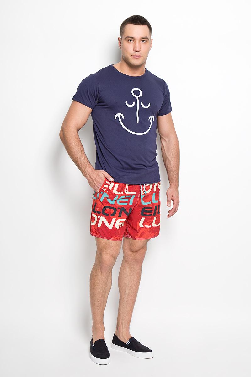Шорты мужские ONeill, цвет: красный. 603226-3900. Размер L (50)603226-3900Мужские летние шорты ONeill станут отличным дополнением к вашему спортивному гардеробу. Они выполнены из полиамида и имеют подкладку из полиэстера, благодаря чему удобно сидят, обладают высокой износостойкостью, быстро сохнут и превосходно отводят влагу от тела, оставляя кожу сухой.Модель дополнена широкой эластичной резинкой на поясе. Объем талии регулируется при помощи шнурка-кулиски в поясе. Шорты дополнены двумя втачными карманами на липучках спереди и одним накладным карманом сзади, закрывающимся на клапан с кнопкой и липучкой. Шорты оформлены оригинальным принтом и украшены имитацией ширинки.Эти модные свободные шорты идеально подойдут для повседневной носки, а также бега, фитнеса и других спортивных упражнений. В них вы всегда будете чувствовать себя уверенно и комфортно.