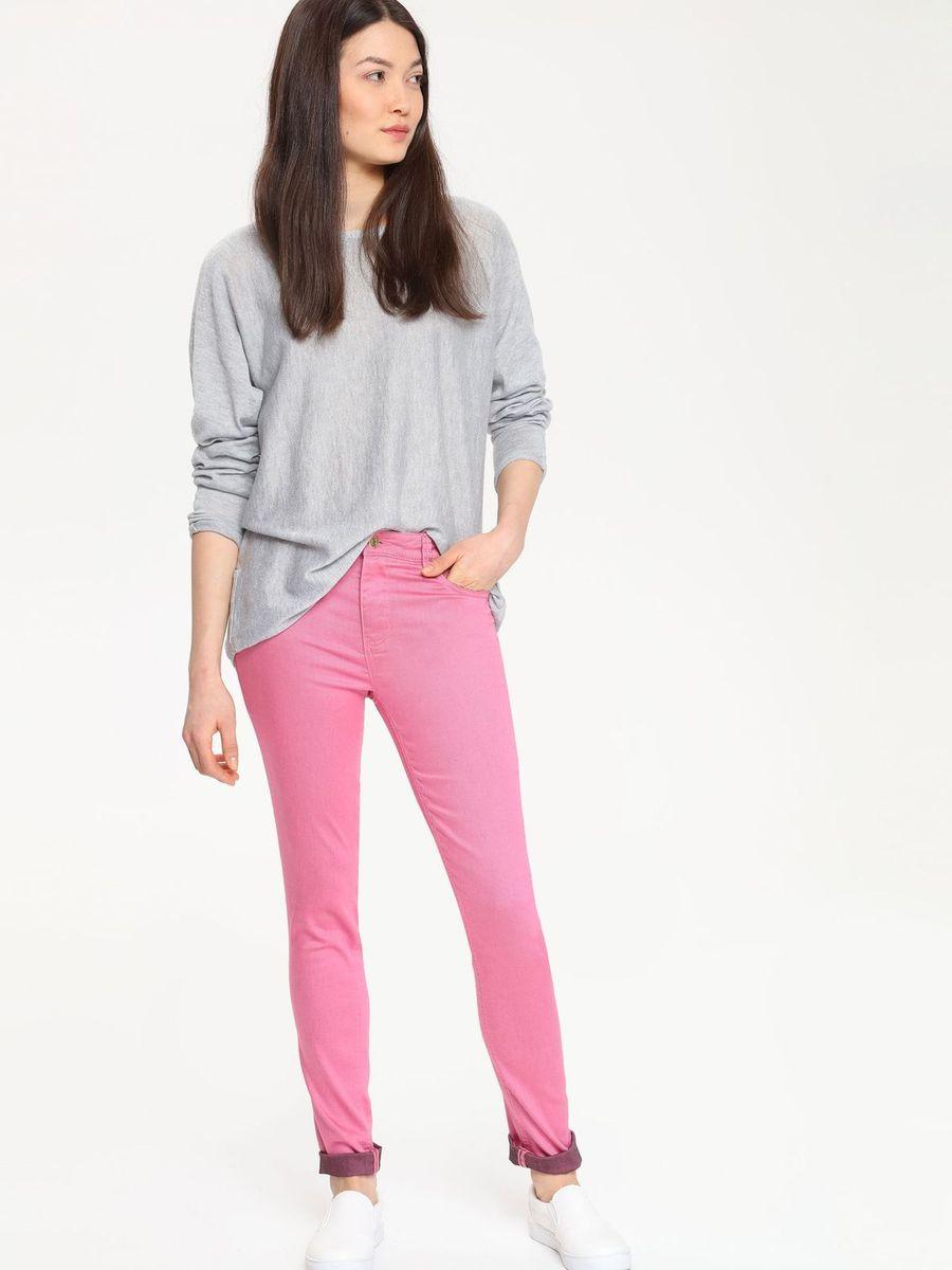 ДжинсыTSP1272ROСтильные женские джинсы Troll выполнены из хлопка с добавлением полиэстера и эластана. Материал мягкий и приятный на ощупь, не сковывает движения и позволяет коже дышать. Джинсы-слим стандартной посадки застегиваются на пуговицу в поясе и ширинку на застежке-молнии. На поясе предусмотрены шлевки для ремня. Джинсы имеют классический пятикарманный крой: спереди модель оформлена двумя втачными карманами и одним маленьким накладным кармашком, а сзади - двумя накладными карманами.
