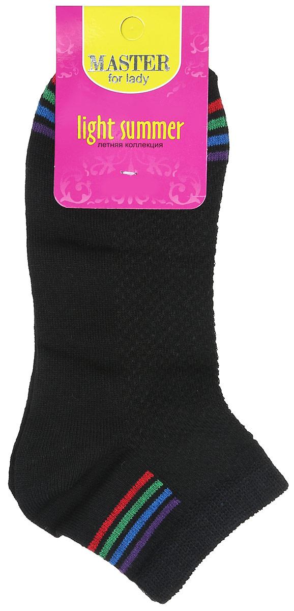 Носки55054Удобные носки Master Socks, изготовленные из высококачественного комбинированного материала, очень мягкие и приятные на ощупь, позволяют коже дышать. Эластичная резинка плотно облегает ногу, не сдавливая ее, обеспечивая комфорт и удобство. Носки с укороченным паголенком оформлены яркими полосками в нижней и верхней частях носка. Удобные и комфортные носки великолепно подойдут к любой вашей обуви.