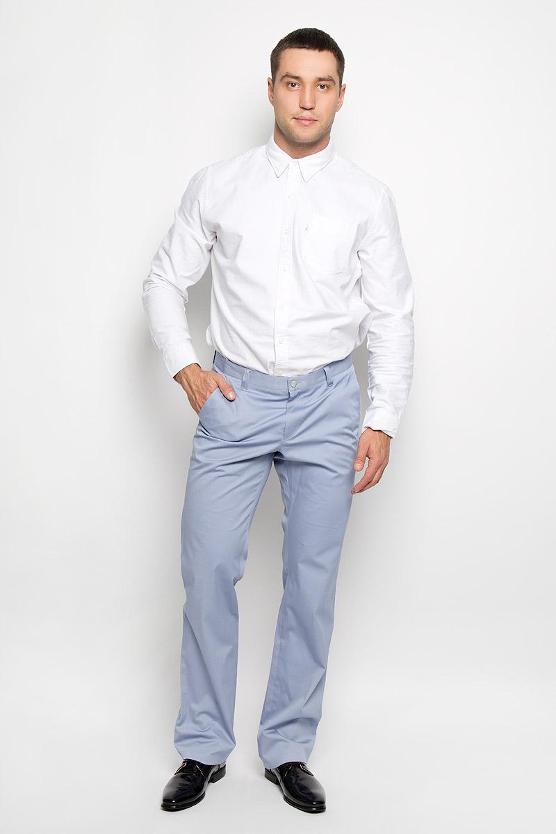 Брюки мужские BTC, цвет: серо-голубой. 12.013831. Размер 52-18212.013831Мужские брюки BTC, выполненные из эластичного хлопка, отлично дополнят ваш образ. Ткань изделия мягкая, тактильно приятная, позволяет коже дышать.Брюки прямого кроя застегиваются на пуговицу в поясе и имеют ширинку на застежке-молнии. На брюках предусмотрены шлевки для ремня. Спереди модель дополнена двумя втачными карманами со скошенными краями, а сзади - прорезным карманом на пуговице. Высокое качество кроя и пошива, актуальный дизайн и расцветка придают изделию неповторимый стиль и индивидуальность. Модель займет достойное место в вашем гардеробе!