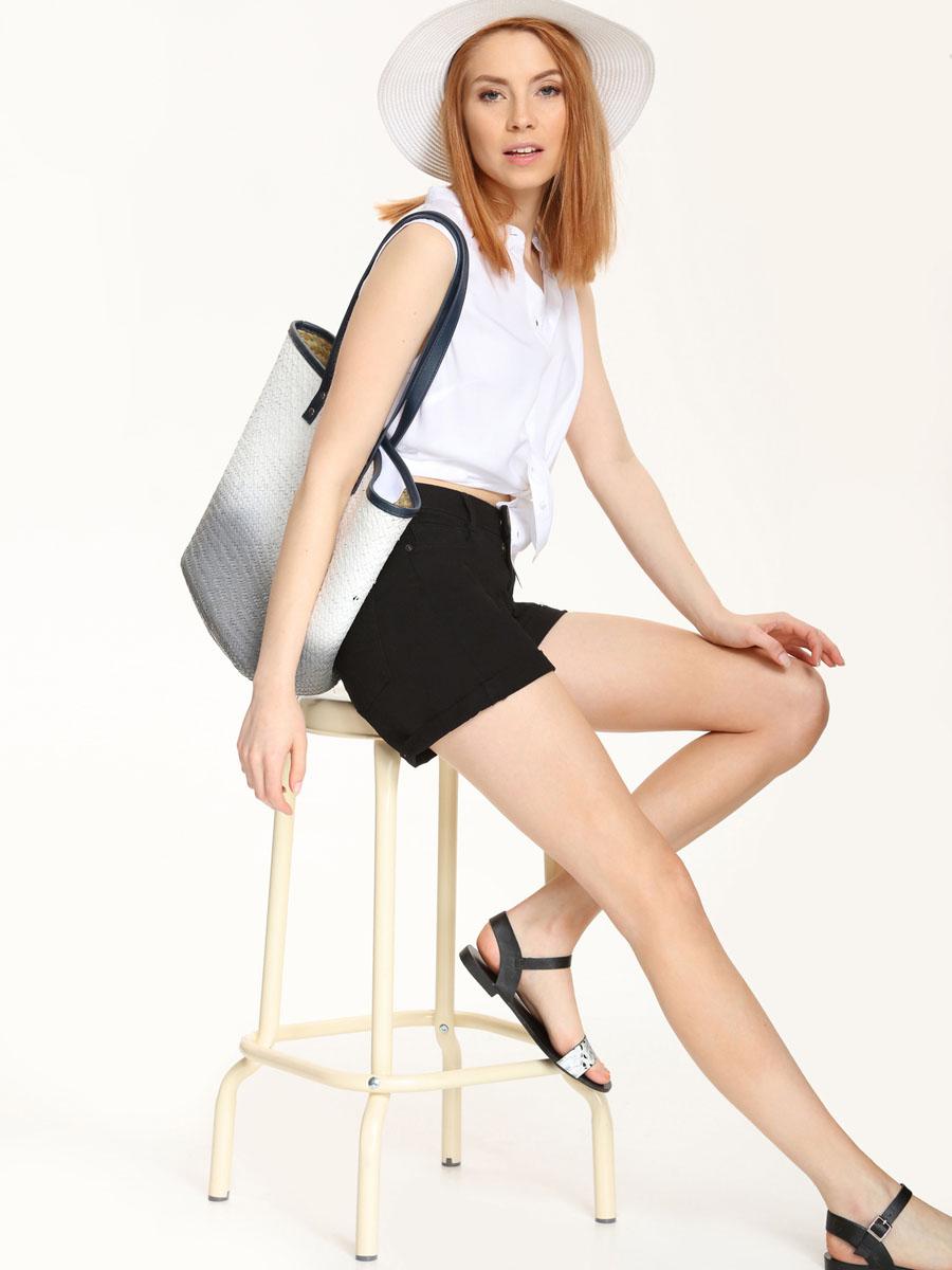 РубашкаSKE0015BIСтильная женская рубашка Top Secret, выполнена из 100% вискозы. Модель без рукавов с воротником-стойкой застегивается на пуговицы. По низу изделие имеет закругленную форму.