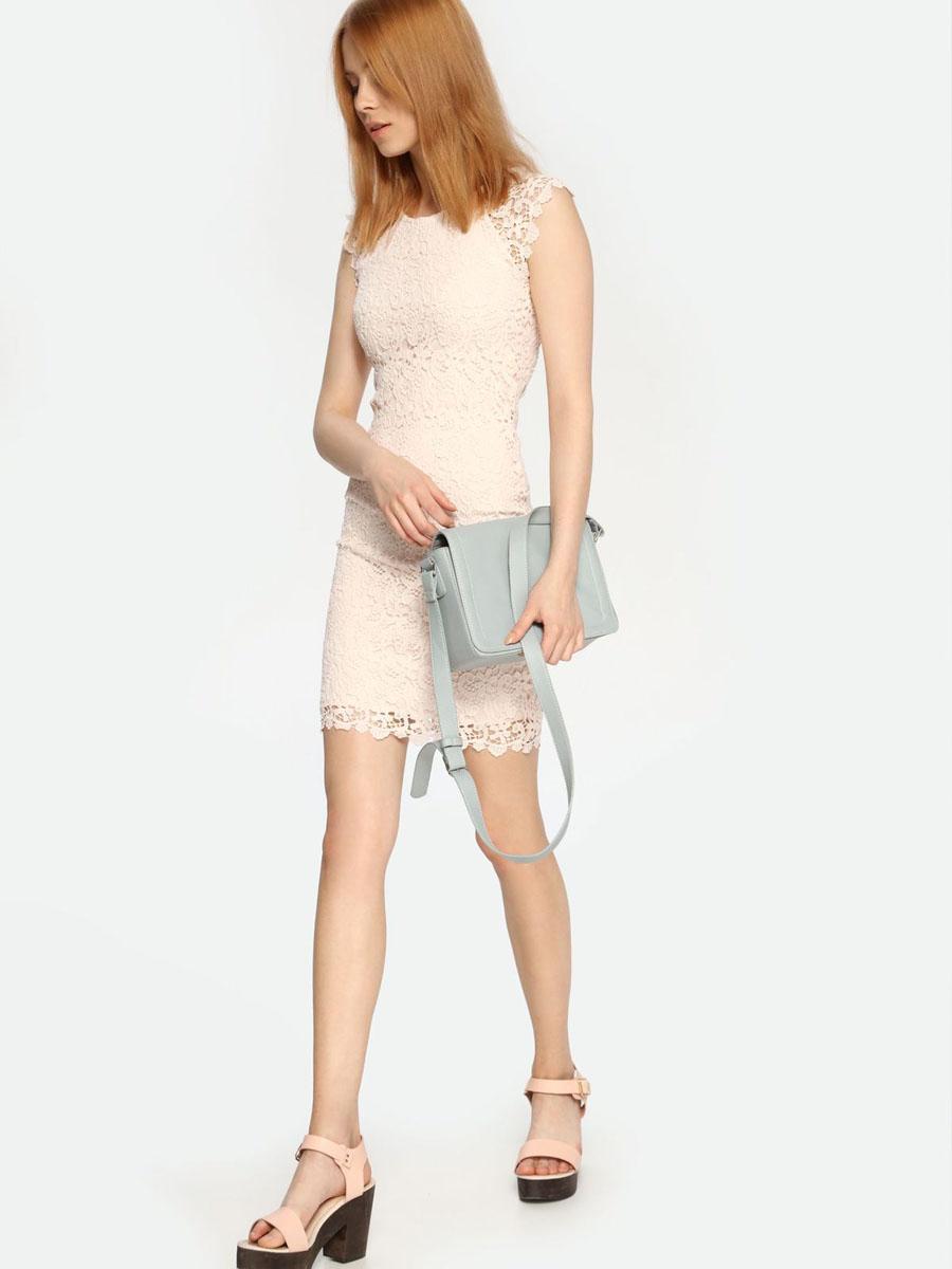 ПлатьеTSU0524ROКружевное платье Troll выполнено из натурального хлопка и дополнено подкладкой из полиэстера. Платье-мини с круглым вырезом горловины и короткими рукавами-реглан застегивается на потайную застежку-молнию расположенную в среднем шве спинки.