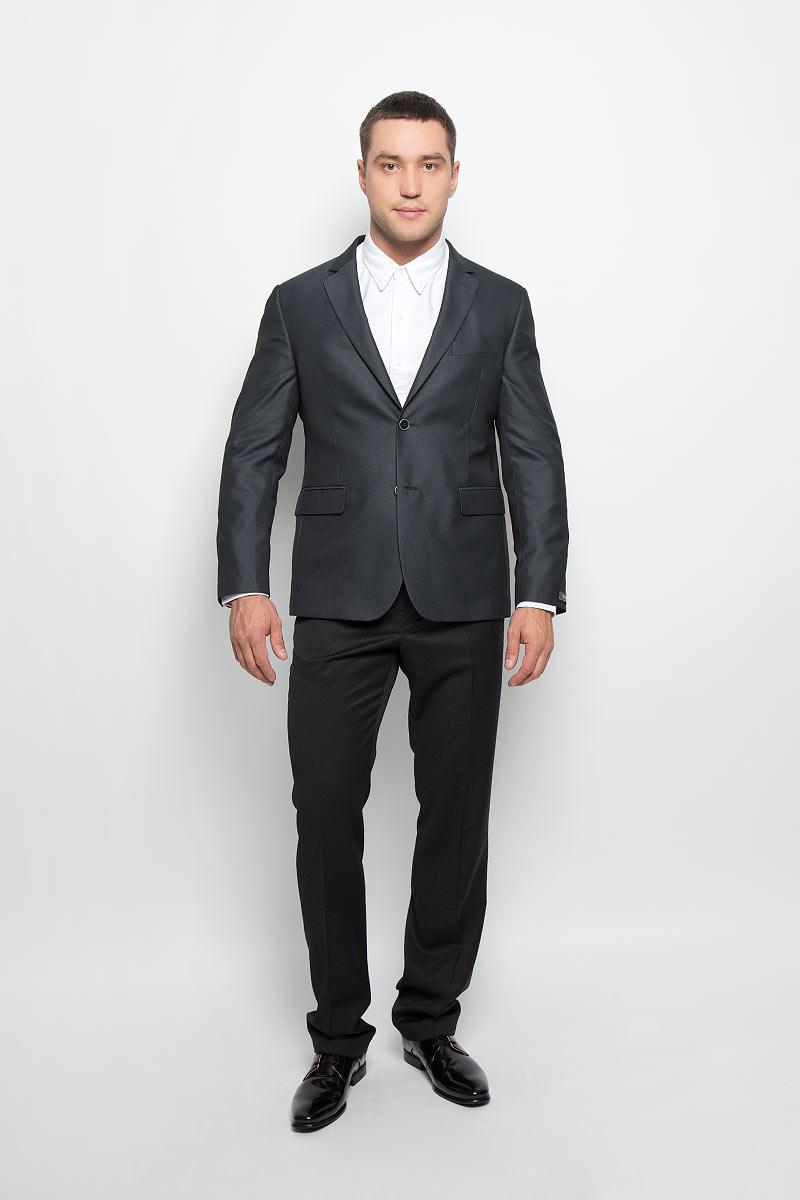 Пиджак мужской BTC Slim, цвет: черный, серый. 12.013421. Размер 52-17612.013421Мужской пиджак BTC Slim изготовлен из высококачественного материала, обеспечивающего комфорт и удобство при носке. Подкладка изделия выполнена из полиэстера.Приталенный пиджак с длинными рукавами и отложным воротником с лацканами застегивается на две пуговицы. Модель оснащена прорезным карманом на груди и двумя прорезными карманами с клапанами в нижней части изделия. Внутри расположены три прорезных кармана, один из которых застегивается на пуговицу. На спинке предусмотрена шлица, расположенная в среднем шве. Низ рукавов декорирован пуговицами.Стильный пиджак станет отличным дополнением к вашему гардеробу!
