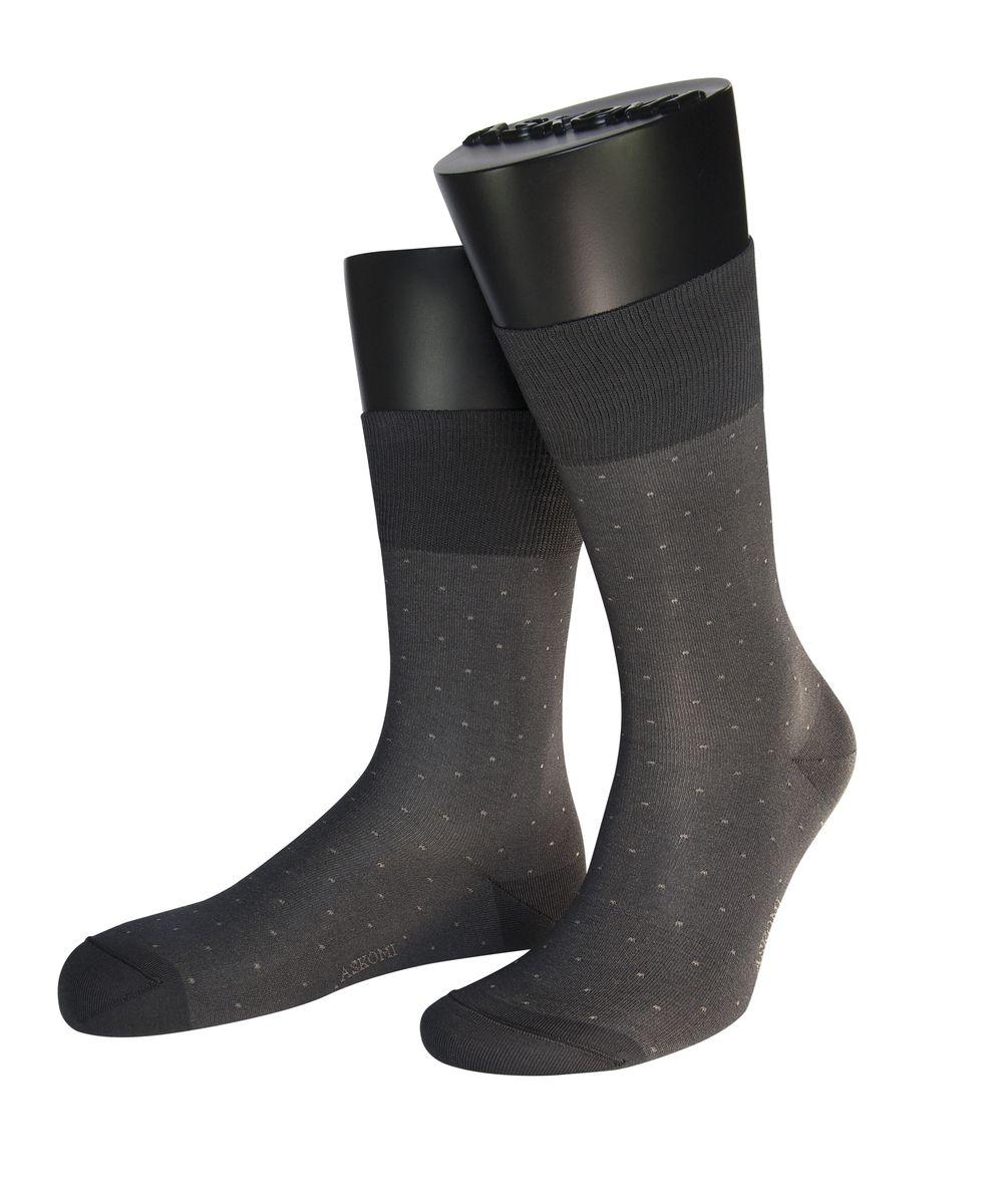 НоскиАМ-7950Мужские носки Askomi для повседневной носки выполнены из мерсеризованного хлопка Pima с добавлением полиамида. Такой хлопок обладает высокой прочностью, цветоустойчивостью, мягкостью. Двойной борт для плотной фиксации не пережимает сосуды. Кеттельный шов не ощутим для ноги. Стильный меланжевый дизай дополнен контрастными точками.