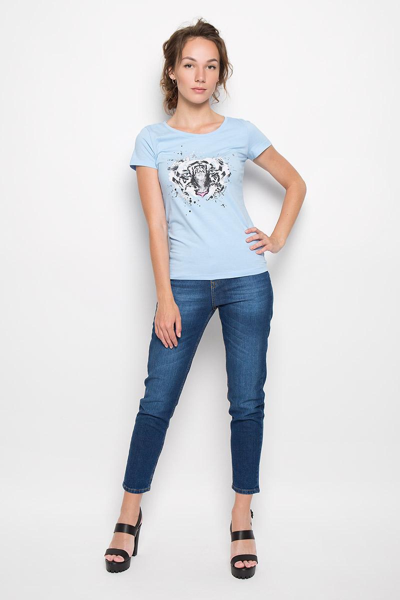 Футболка160097_12380_light blueСтильная женская футболка F5 Tiger, выполненная из эластичного хлопка, обладает высокой теплопроводностью, воздухопроницаемостью и гигроскопичностью, позволяет коже дышать. Модель с короткими рукавами и круглым вырезом горловины - идеальный вариант для создания стильного современного образа. Футболка украшена крупным принтом с изображением морды тигра. Такая модель подарит вам комфорт в течение всего дня и послужит замечательным дополнением к вашему гардеробу.