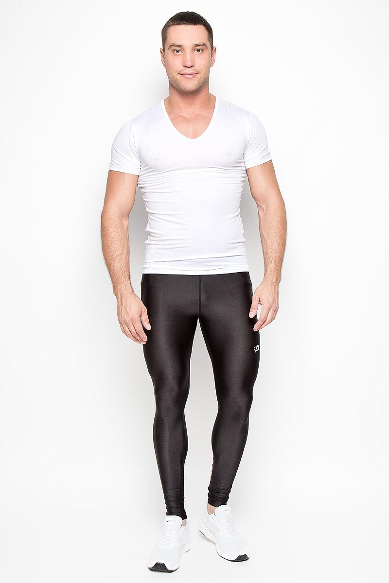 Футболка мужская Phiten, цвет: белый. JG039006. Размер XL (52)JG03900Стильная мужская футболка Phiten, выполненная из полиэстера с добавлением полиуретана, обладает высокой теплопроводностью, воздухопроницаемостью и великолепно отводит влагу, оставляя тело сухим даже во время интенсивных тренировок. Такая футболка превосходно подойдет для занятий спортом и активного отдыха.Модель с короткими рукавами и V-образным вырезом горловины - идеальный вариант для создания образа в спортивном стиле. Спортивная футболка с революционной пропиткой из акватитана - последняя разработка японских ученых в области спортивной одежды. Такая футболка способствует снятию излишней напряженности в области мышц, что позволяет добиться максимального результата в занятиях спортом. Эта модель подарит вам комфорт в течение всего дня и послужит замечательным дополнением к вашему гардеробу.