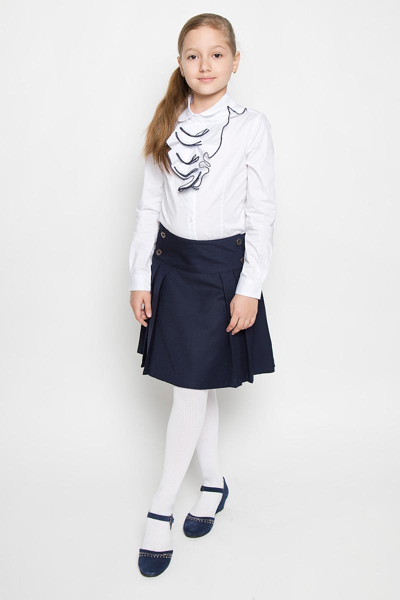 Блузка для девочки Nota Bene, цвет: белый. AW15GS271A-1. Размер 128AW15GS271A-1/AW15GS271B-1Блузка для девочки Nota Bene, выполненная из эластичного хлопка, станет отличным дополнением к школьному гардеробу. Изделие не сковывает движения и хорошо пропускает воздух, обеспечивая наибольший комфорт. Блузка с отложным воротником и длинными рукавами застегивается на пуговицы по всей длине. Спереди модель украшена жабо с контрастной окантовкой. На рукавах предусмотрены манжеты с застежками-пуговицами. Блузка отлично сочетается с юбками и брюками. В ней вашей принцессе всегда будет уютно и комфортно!