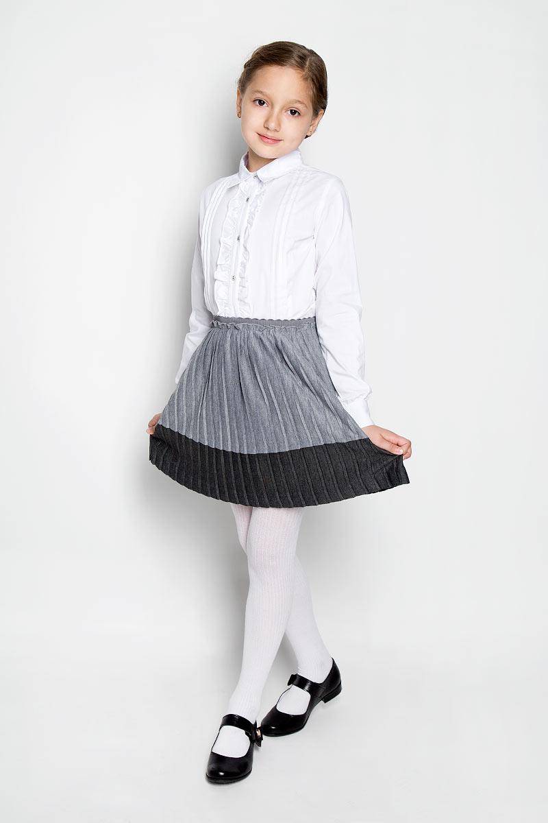 Юбка364059Очаровательная юбка для девочки Scool идеально подойдет вашей маленькой моднице и станет отличным дополнением к детскому гардеробу. Изготовленная из 100% полиэстерана с подкладкой, она мягкая и приятная на ощупь, не сковывает движения и позволяет коже дышать, не раздражает нежную кожу ребенка, обеспечивая ему наибольший комфорт. Плиссированная юбочка на талии имеет широкую эластичную резинку, не сдавливающую живот ребенка. Модель оформлена многочисленными мелкими складками. В такой юбочке ваша модница будет чувствовать себя комфортно, уютно и всегда будет в центре внимания!