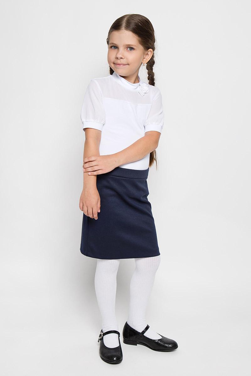 ЮбкаCJA26001B-29/CJA26001A-29Стильная юбка для девочки Nota Bene идеально подойдет вашей маленькой принцессе для отдыха, прогулок и повседневной носки. Изготовленная из полиэстера с добавлением вискозы и спандекса, она необычайно мягкая и приятная на ощупь, не сковывает движения малышки и позволяет коже дышать, не раздражает даже самую нежную и чувствительную кожу ребенка, обеспечивая ему наибольший комфорт. Юбка прямого кроя сзади застегивается на потайную застежку-молнию. Пояс дополнен эластичными вставками. В среднем шве юбки обработана шлица. Современный дизайн и модная расцветка делают эту юбку стильным предметом детского гардероба. В ней ваша малышка всегда будет в центре внимания!