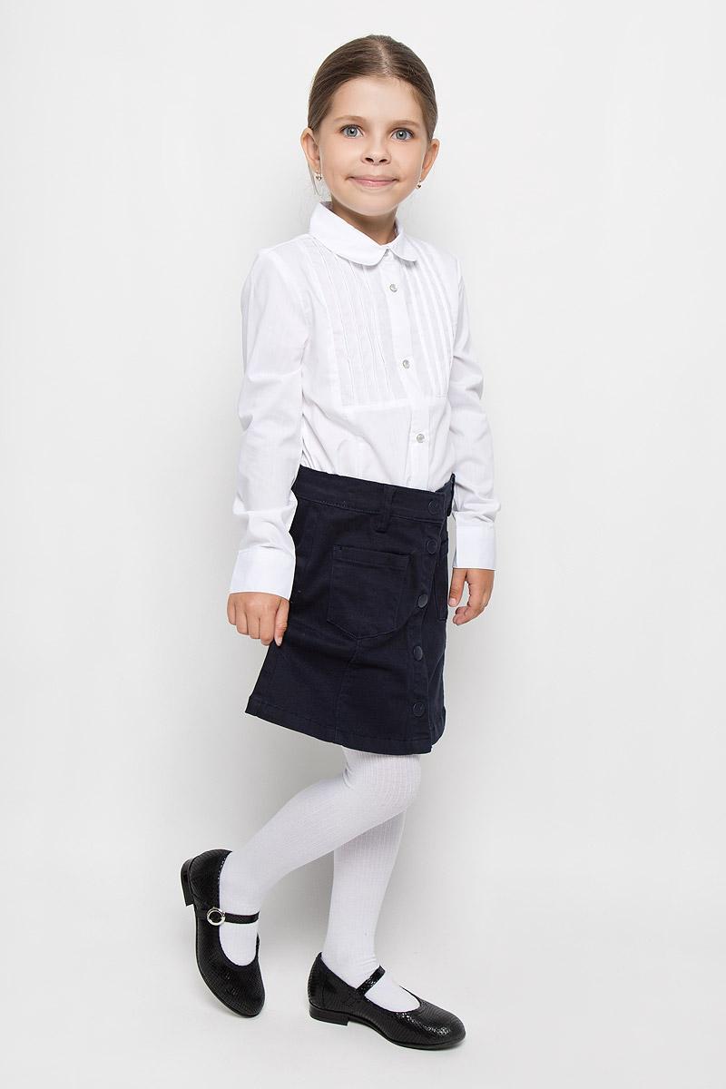 Блузка64314_OLG, вар.1Элегантная блузка для девочки Orby School идеально подойдет для школы. Изготовленная из хлопка с добавлением полиэстера и эластана, она необычайно мягкая, легкая и приятная на ощупь, не сковывает движения и позволяет коже дышать, не раздражает даже самую нежную и чувствительную кожу ребенка, обеспечивая наибольший комфорт. Блузка с отложным воротником и длинными рукавами застегивается на кнопки по всей длине. Низ рукавов дополнен широкими манжетами на кнопках. На груди модель оформлена узкими застроченными складками. Такая блузка - незаменимая вещь для школьной формы, отлично сочетается с юбками, брюками и сарафанами. Эта модель всегда выглядит великолепно!