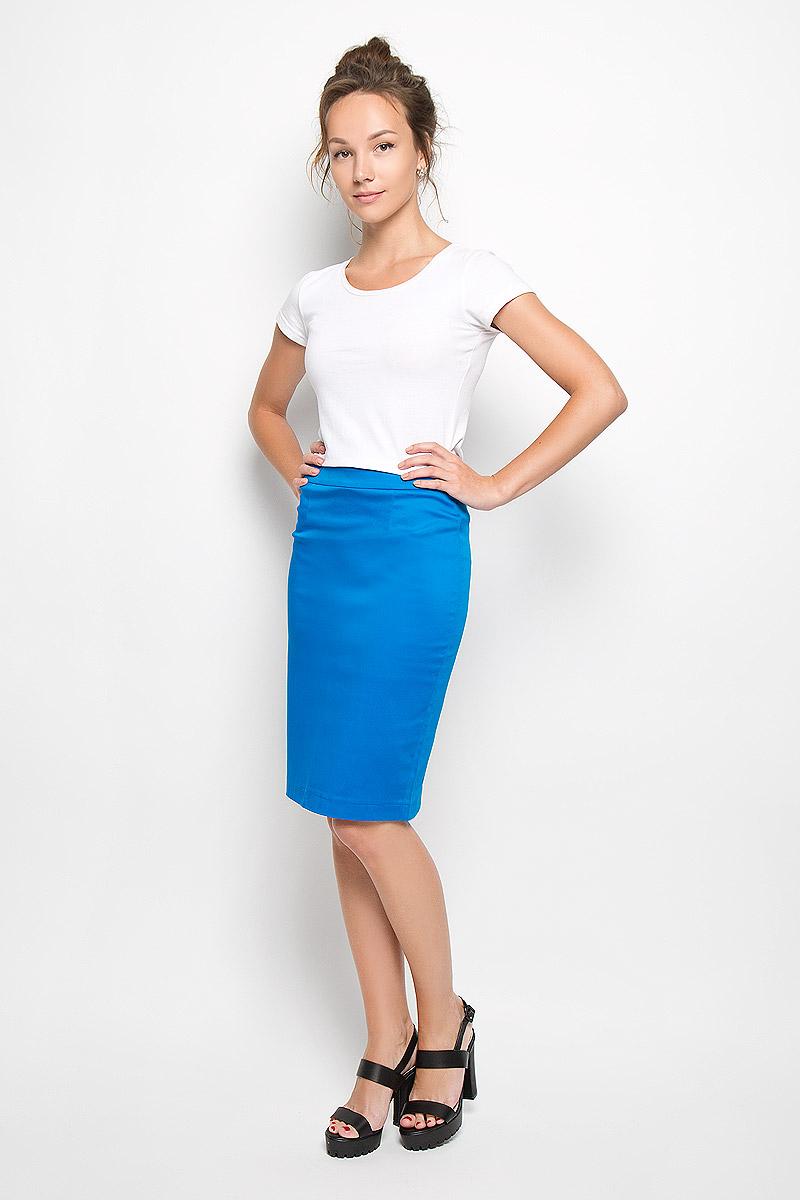 Юбка Milana Style, цвет: ярко-синий. 20416. Размер XXL (52)20416Эффектная юбка Milana Style выполнена из хлопка с добавлением полиамида, она обеспечит вам комфорт и удобство при носке. Такой материал обладает высокой гигроскопичностью, великолепно пропускает воздух и не раздражает кожу.Однотонная юбка-миди сзади застегивается на потайную застежку-молнию. Также сзади юбка дополнена шлицей. Модная юбка выгодно освежит и разнообразит ваш гардероб. Создайте женственный образ и подчеркните свою яркую индивидуальность! Классический фасон и оригинальное оформление этой юбки позволят вам сочетать ее с любыми нарядами.
