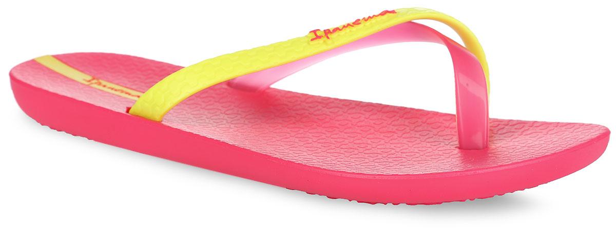 Сланцы женские Ipanema Mix Color, цвет: розовый, желтый. 81137-22107. Размер BRA 33/34 (34/35)81137-22107Стильные женские сланцы Mix Color от Ipanema очаруют вас с первого взгляда. Модель полностью выполнена из поливинилхлорида и оформлена на ремешке названием бренда. Пересекающиеся ремешки гарантируют надежную фиксацию модели на ноге. Рифление на верхней поверхности подошвы предотвращает выскальзывание ноги. Рельефное основание подошвы обеспечивает уверенное сцепление с любой поверхностью. Удобные сланцы прекрасно подойдут для похода в бассейн или на пляж.